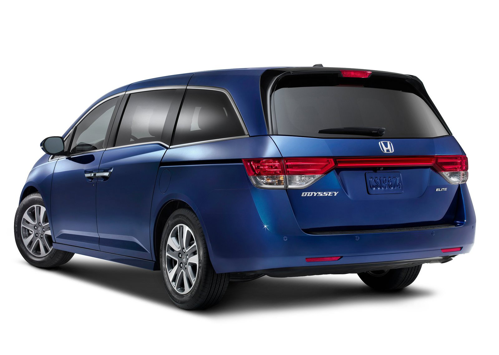 2015 Honda Odyssey Now On Sale, Starts from $28,975 - autoevolution