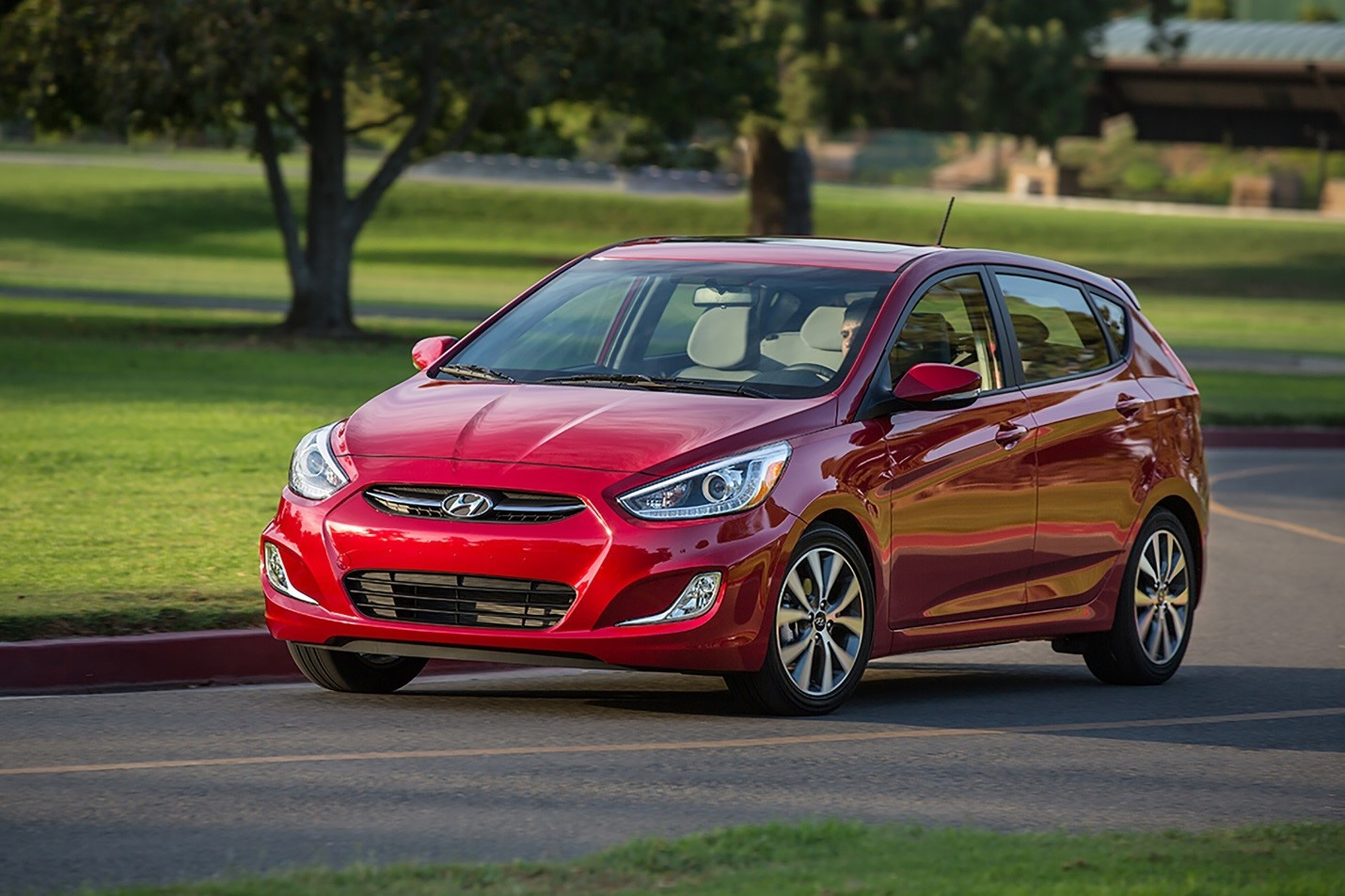 2015 hyundai accent is 100 more expensive than the 2014 model autoevolution. Black Bedroom Furniture Sets. Home Design Ideas