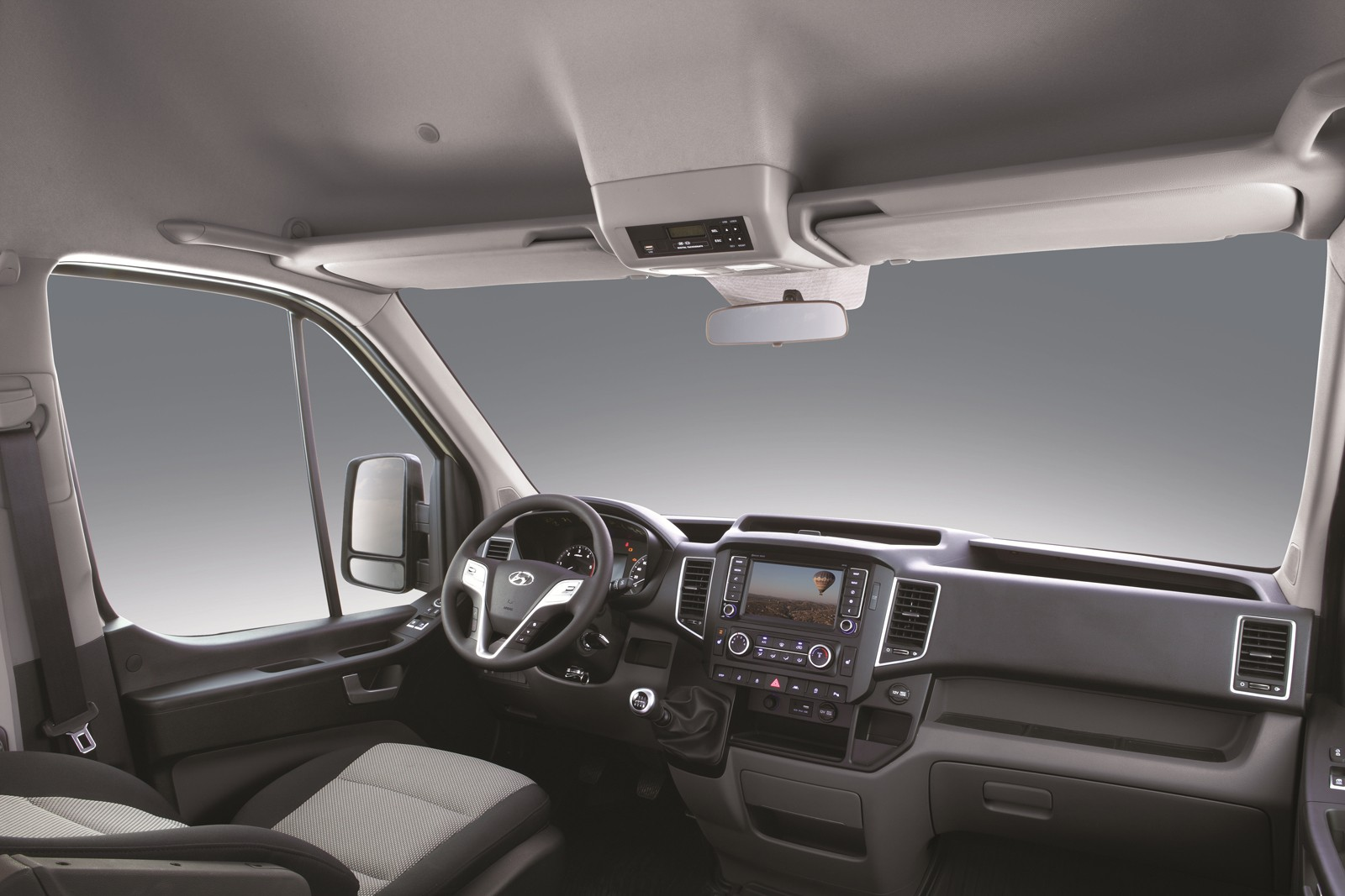 2015 Hyundai H350 Light Commercial Vehicle Starts ...