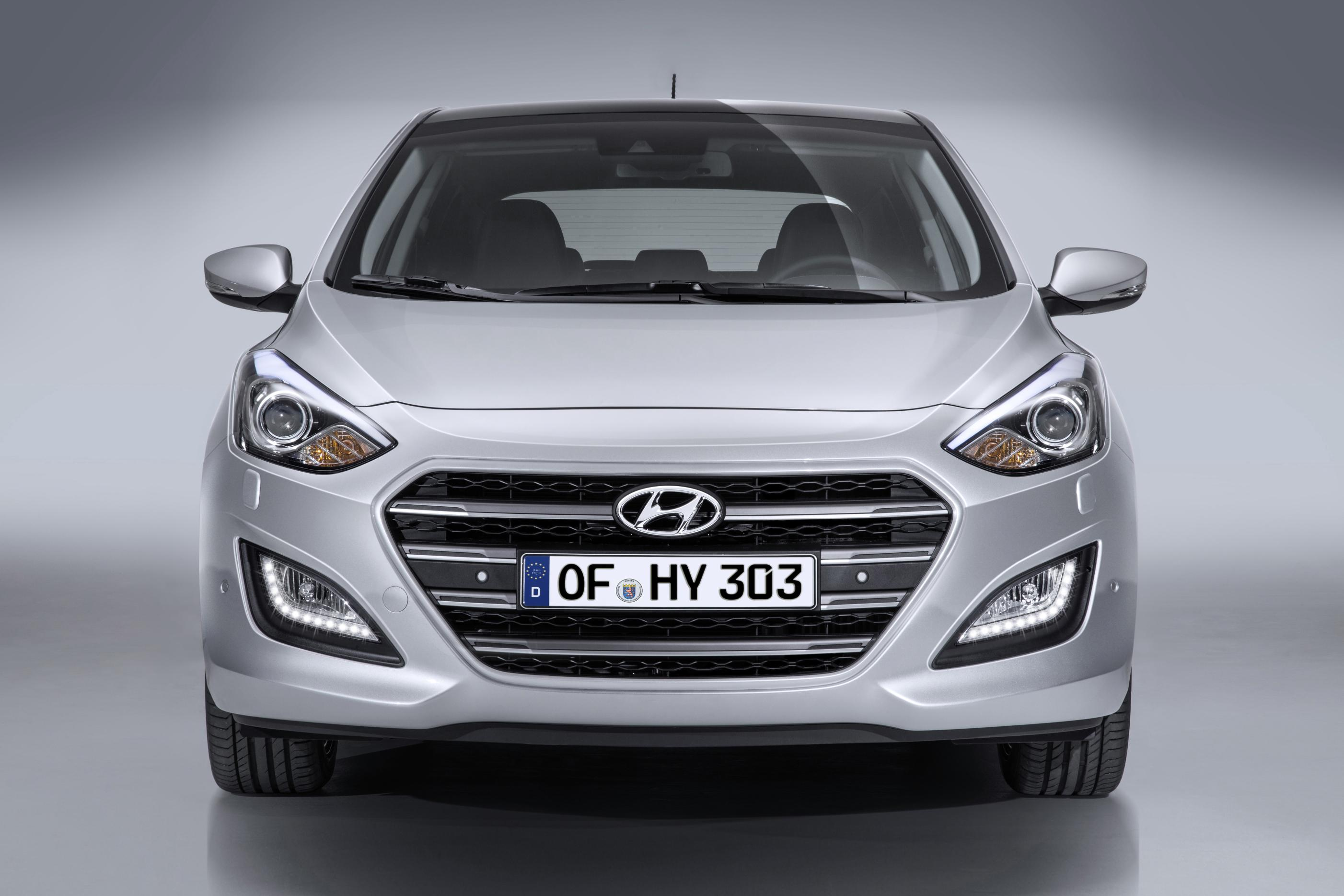 hyundai i30 facelift warm hatch and new dual clutch. Black Bedroom Furniture Sets. Home Design Ideas