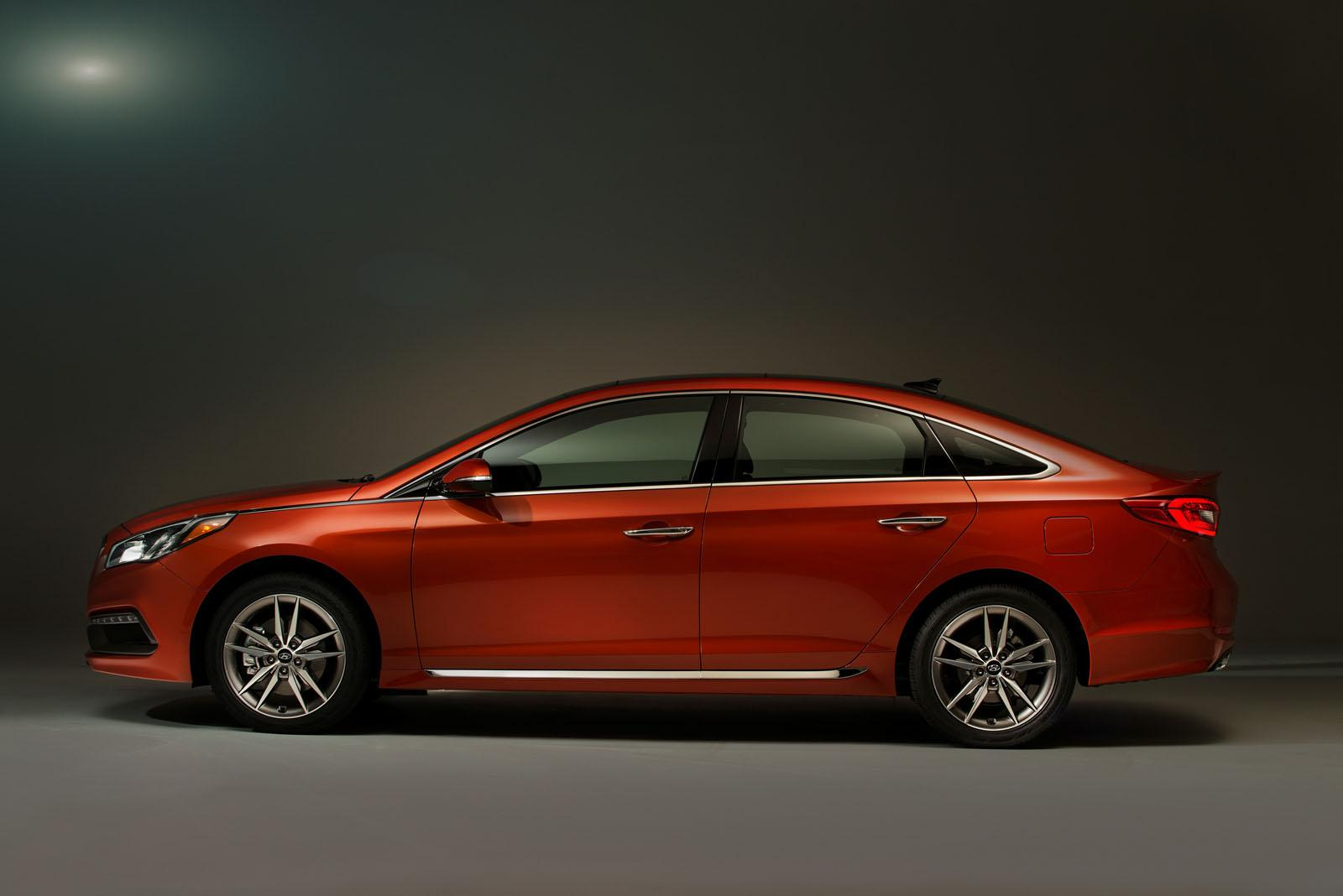 2015 hyundai sonata is competitive mid size sedan cr finds autoevolution. Black Bedroom Furniture Sets. Home Design Ideas