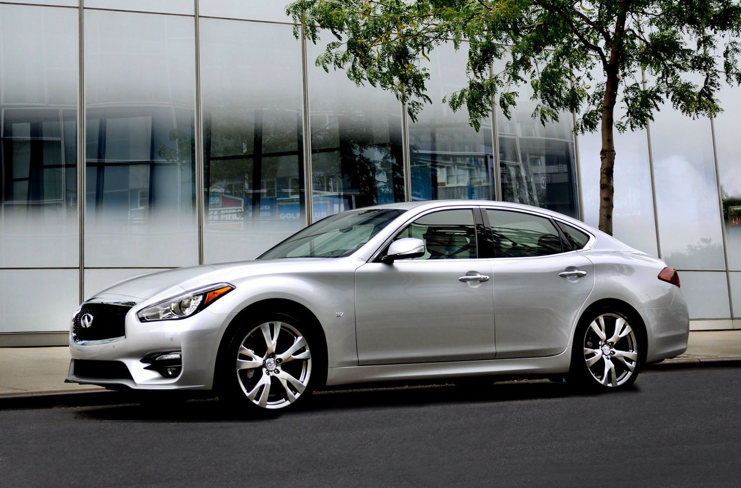 2015 infiniti q70 european pricing announced starts at 47 750 autoevolution. Black Bedroom Furniture Sets. Home Design Ideas