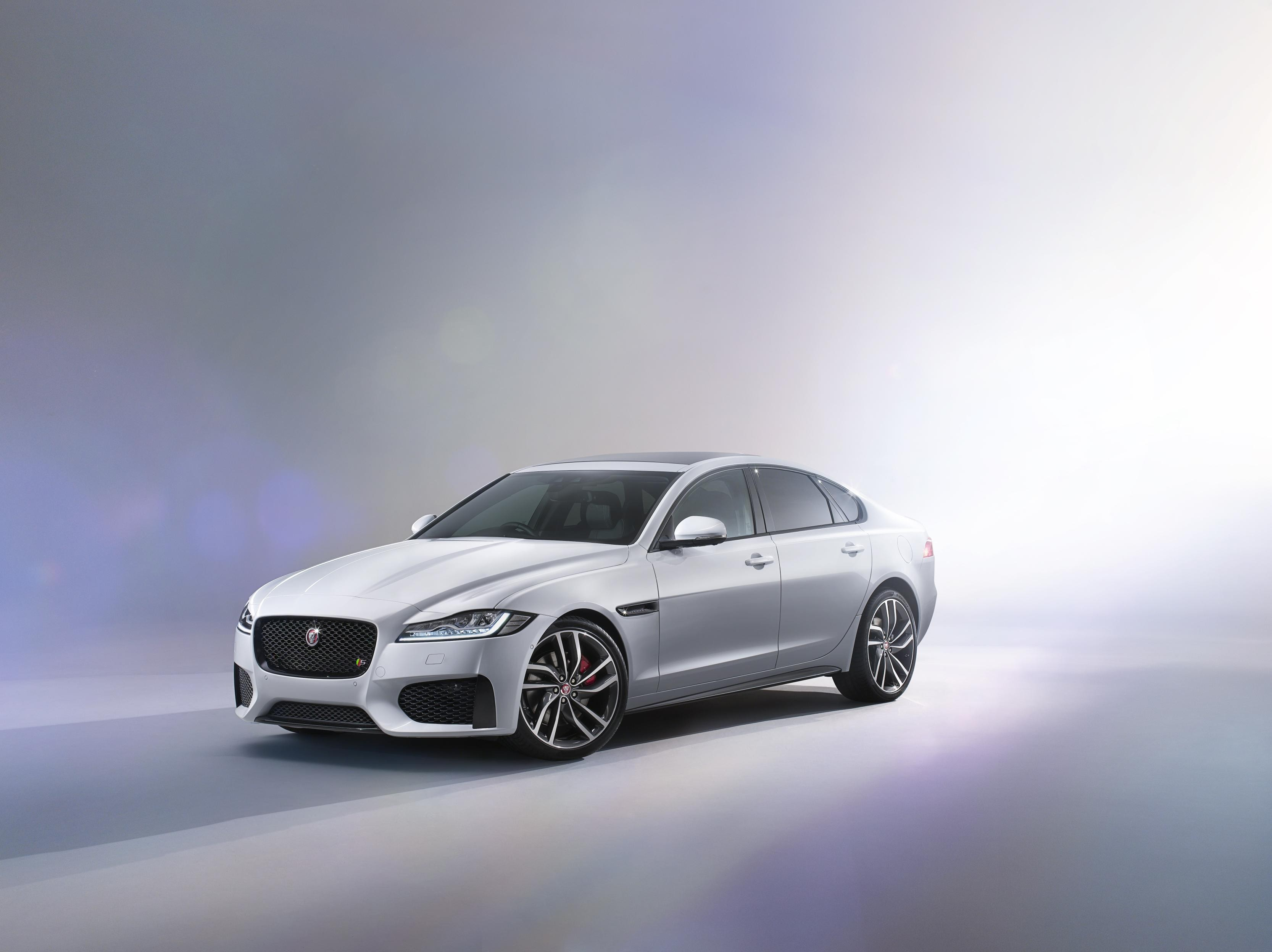 2015 jaguar xf officially unveiled video photo gallery. Black Bedroom Furniture Sets. Home Design Ideas
