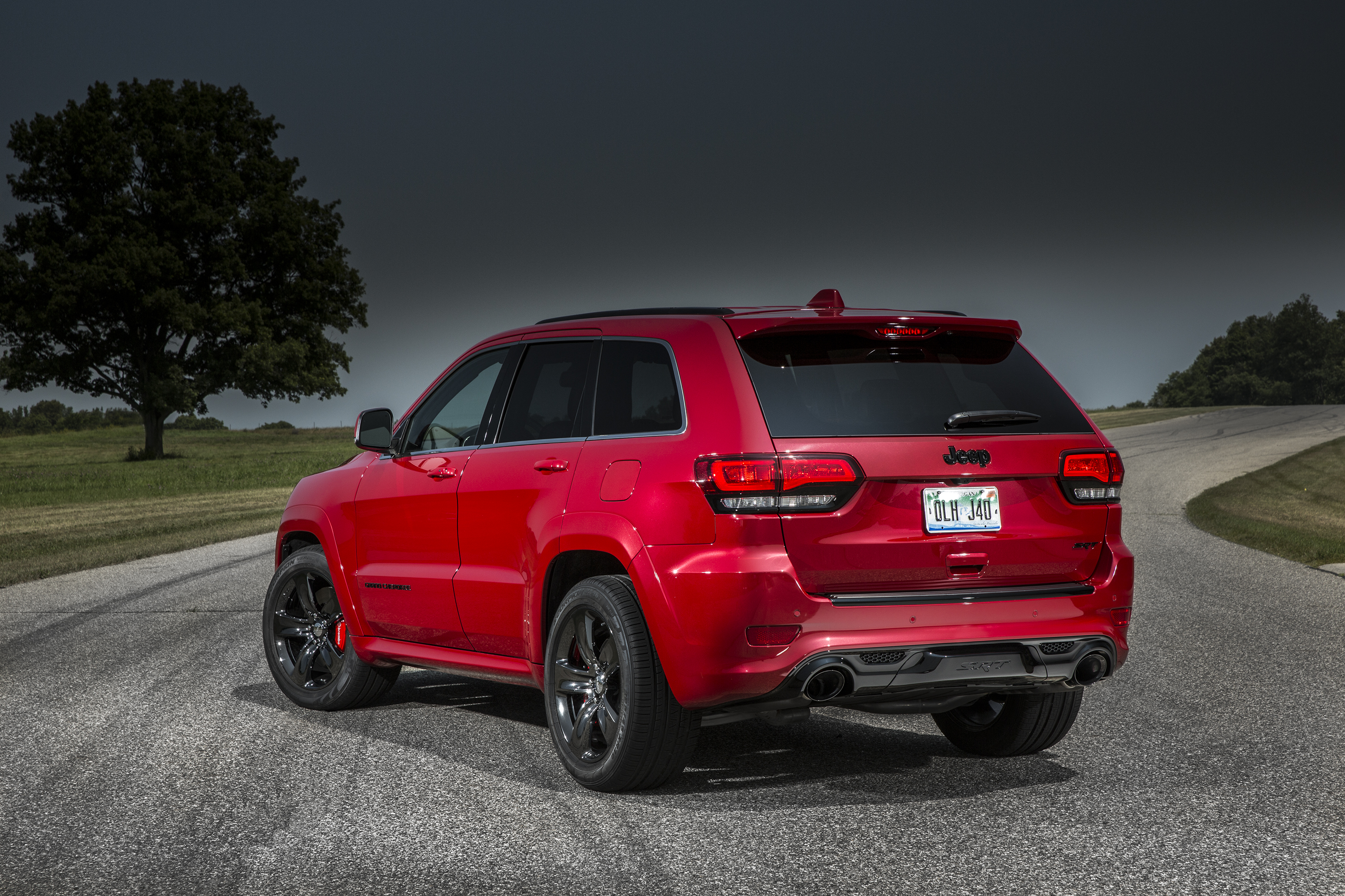 2015 jeep grand cherokee srt is no hellcat autoevolution. Black Bedroom Furniture Sets. Home Design Ideas