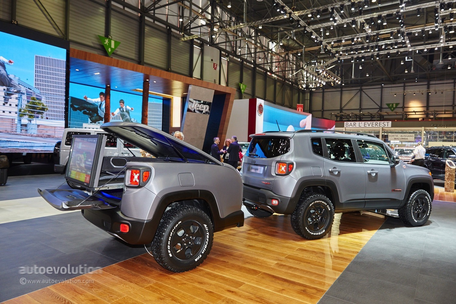 Jeep Rubicon 2017 Tuning >> 2015 Jeep Renegade Gets the Hard Steel Treatment in Time ...