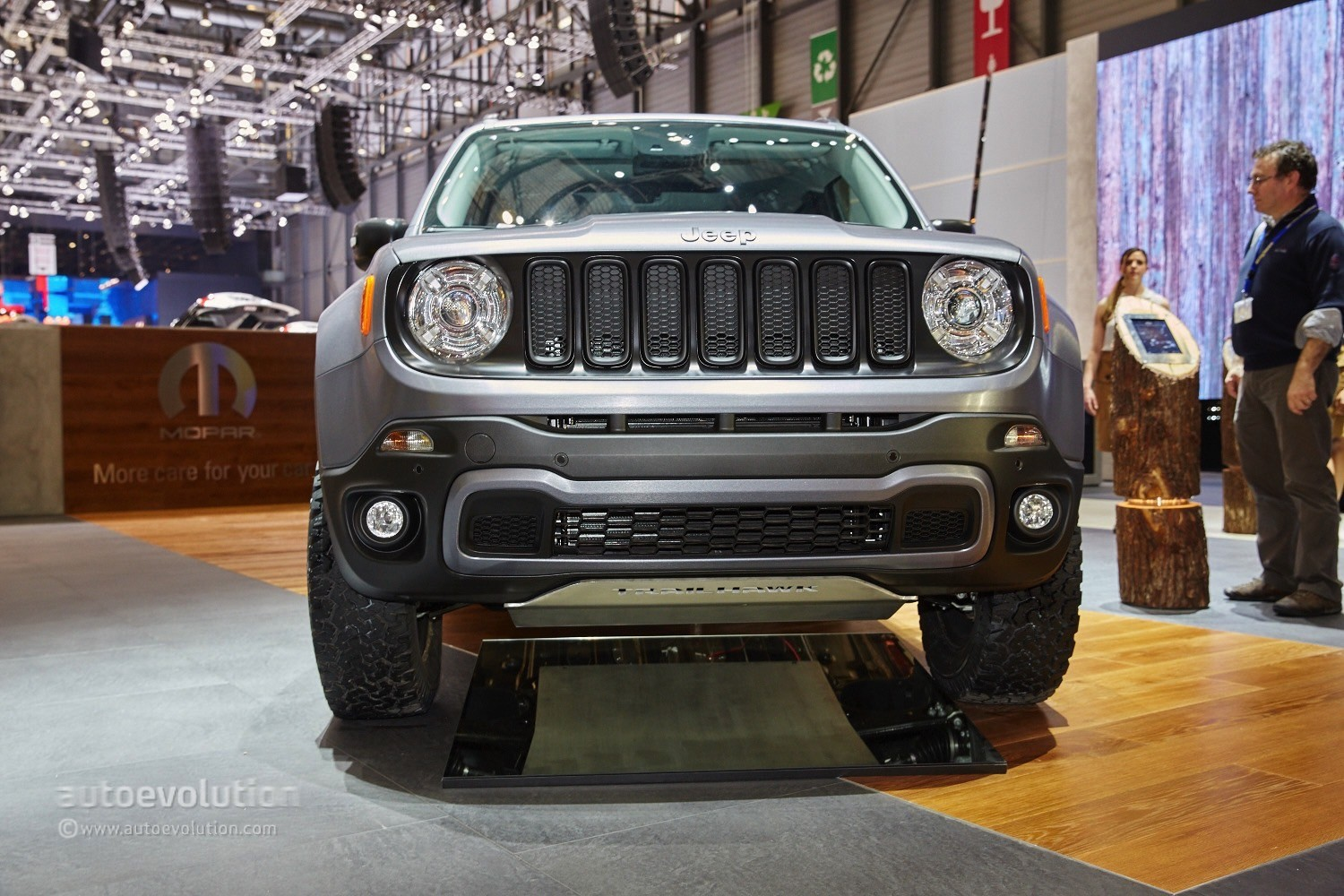 Jeep Renegade Gets The Hard Steel Treatment In Time For Geneva Live Photos on 2015 Jeep Cherokee Trailhawk 4x4