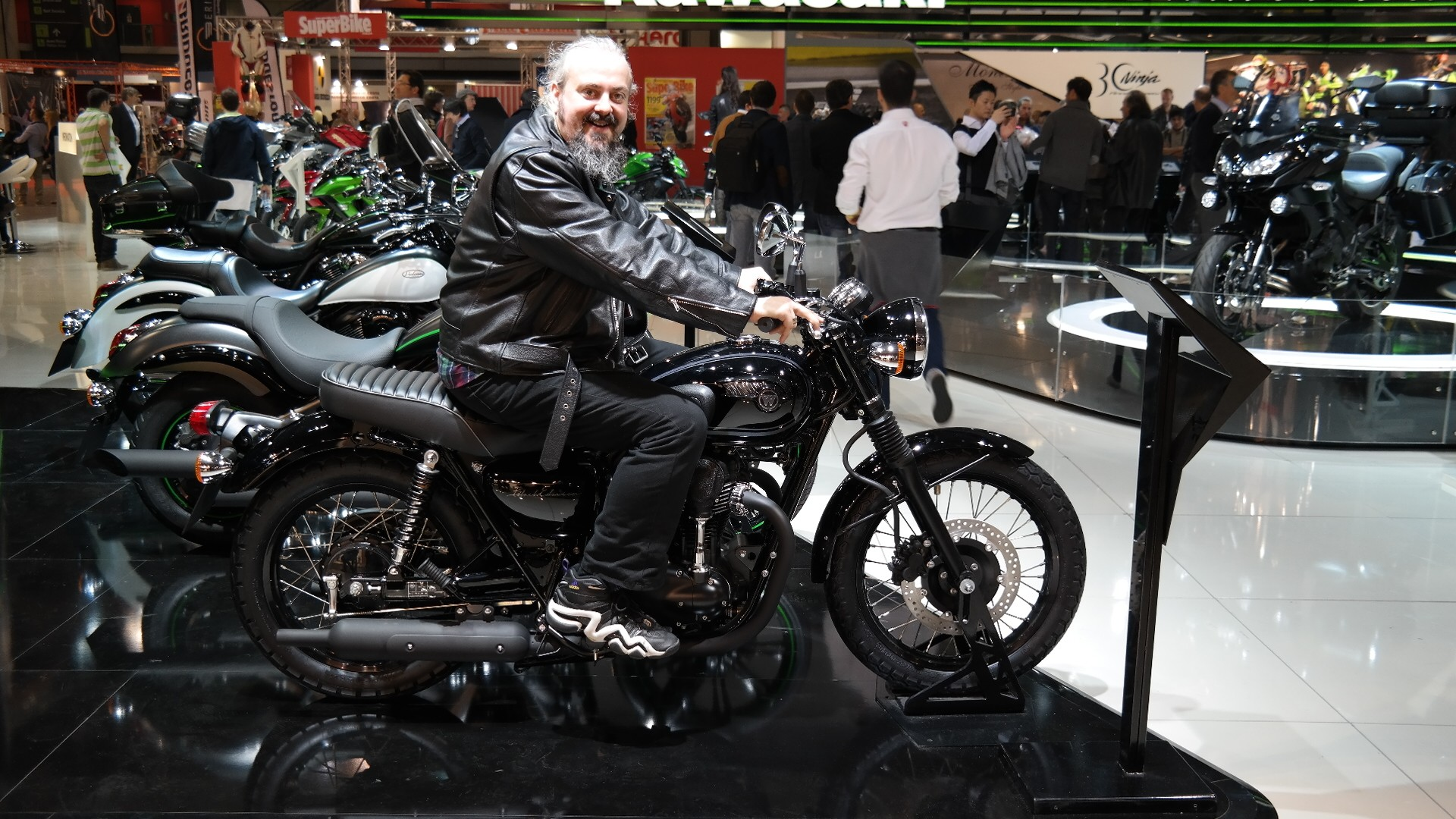 Our Editor Florin Tibu On The 2015 Kawasaki W800 Black Edition