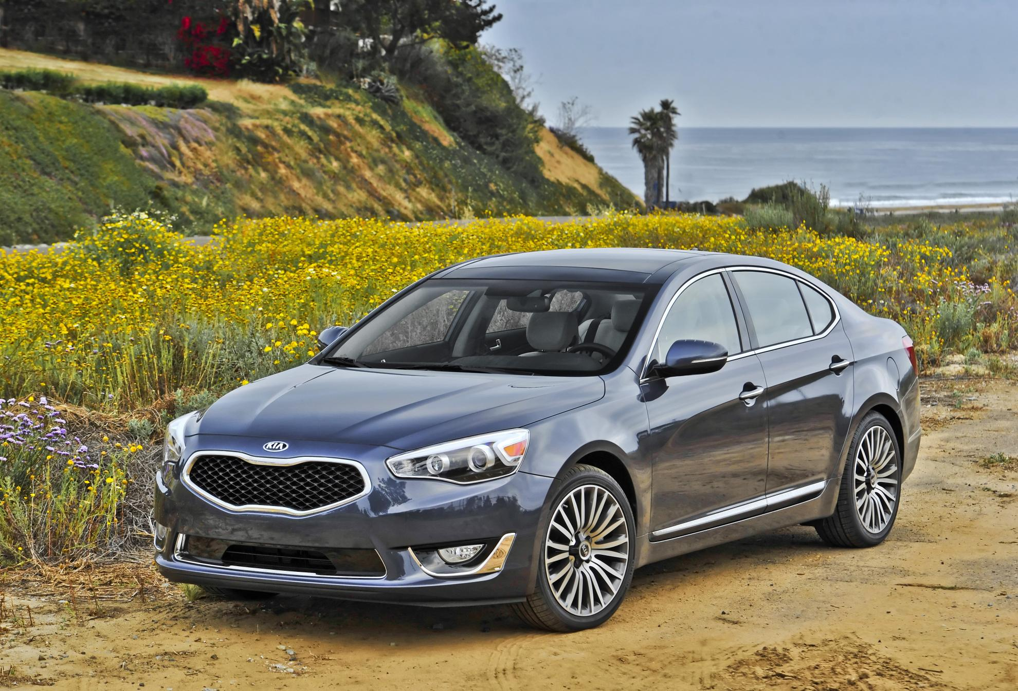 2015 kia cadenza adds new tech and visual enhancements autoevolution. Black Bedroom Furniture Sets. Home Design Ideas