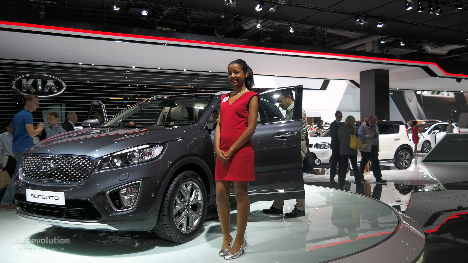 2015 Kia Sorento Shown At The Paris Motor Show Live