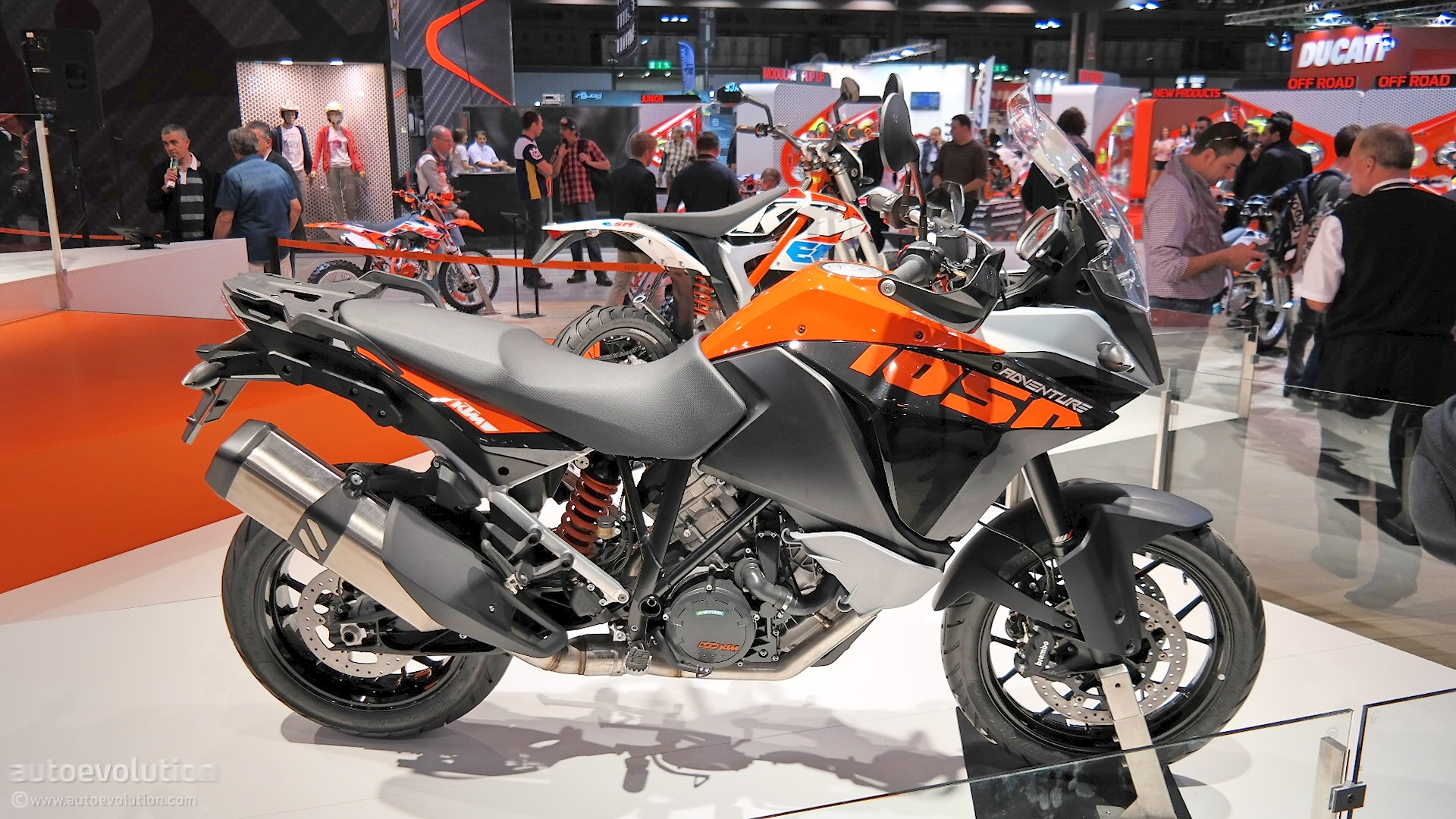 2015 KTM 1050 Adventure Is Light and Maneuverable at EICMA ...