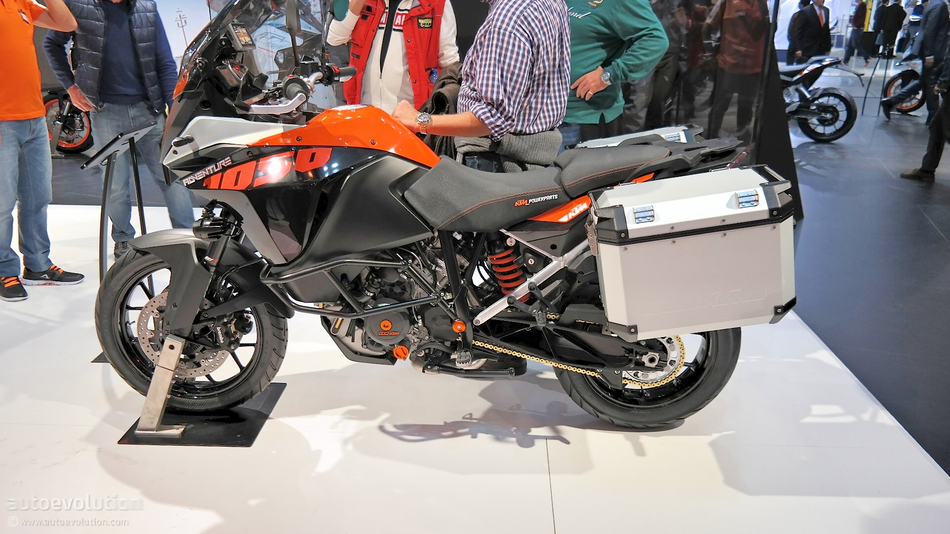 2015 Ktm 1050 Adventure Is Light And Maneuverable At Eicma
