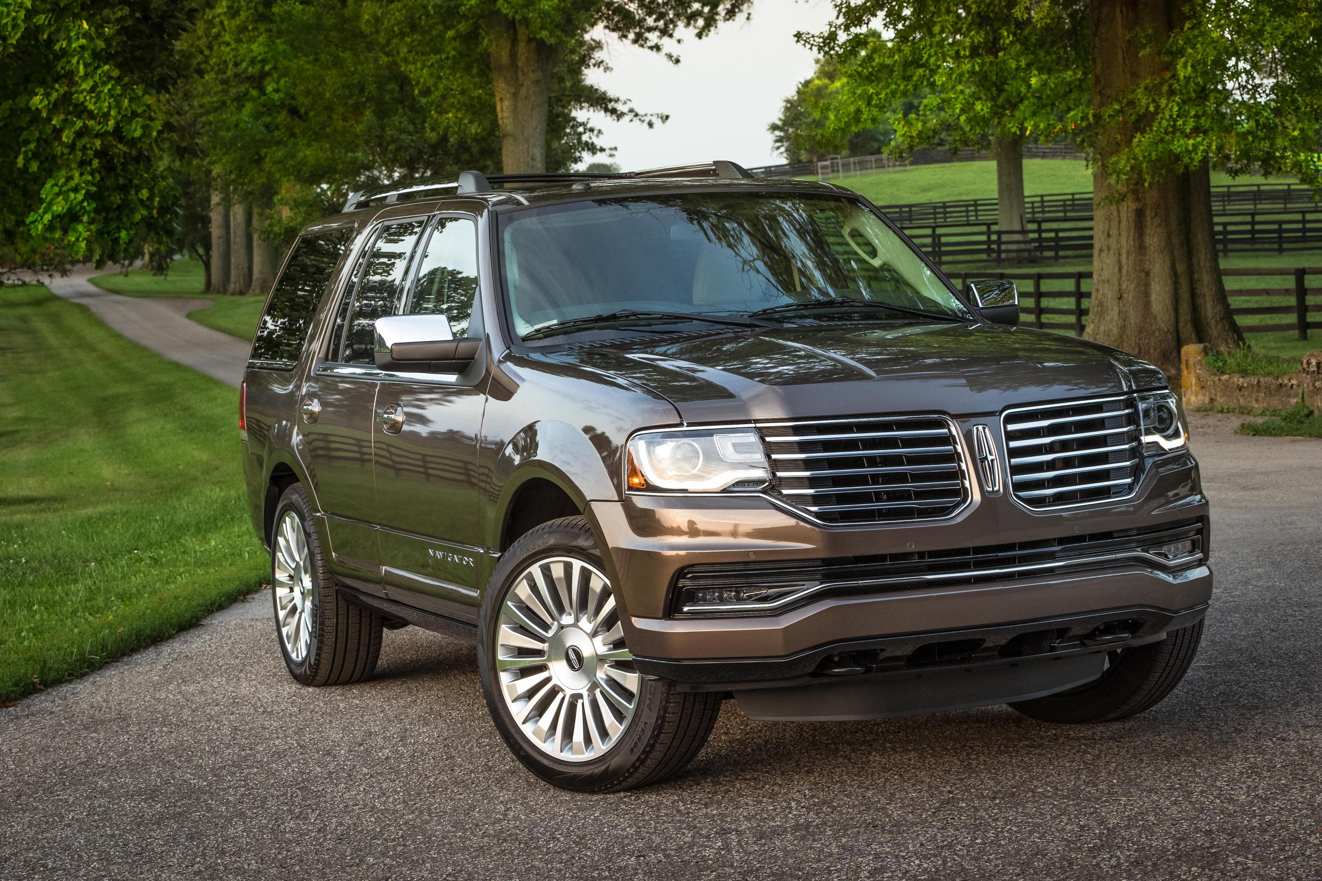 2015 lincoln navigator pricing starts at 62 475 autoevolution. Black Bedroom Furniture Sets. Home Design Ideas
