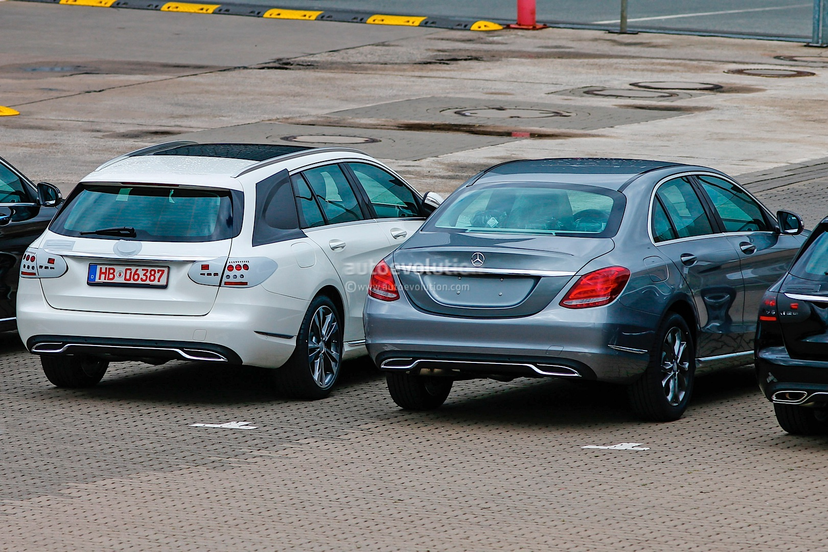 2015 mercedes benz c class wagon s205 spied next to. Black Bedroom Furniture Sets. Home Design Ideas