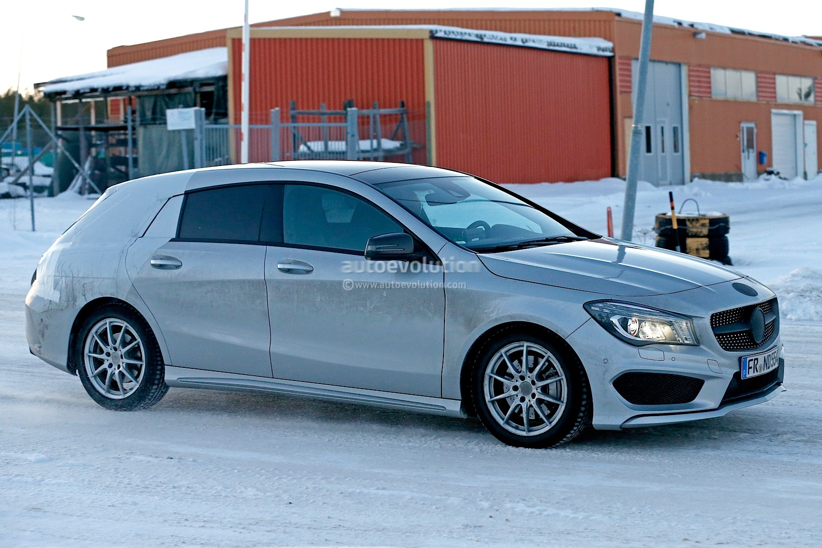 2015 mercedes benz cla shooting brake x117 in santa 39 s for Mercedes benz 2015 cla