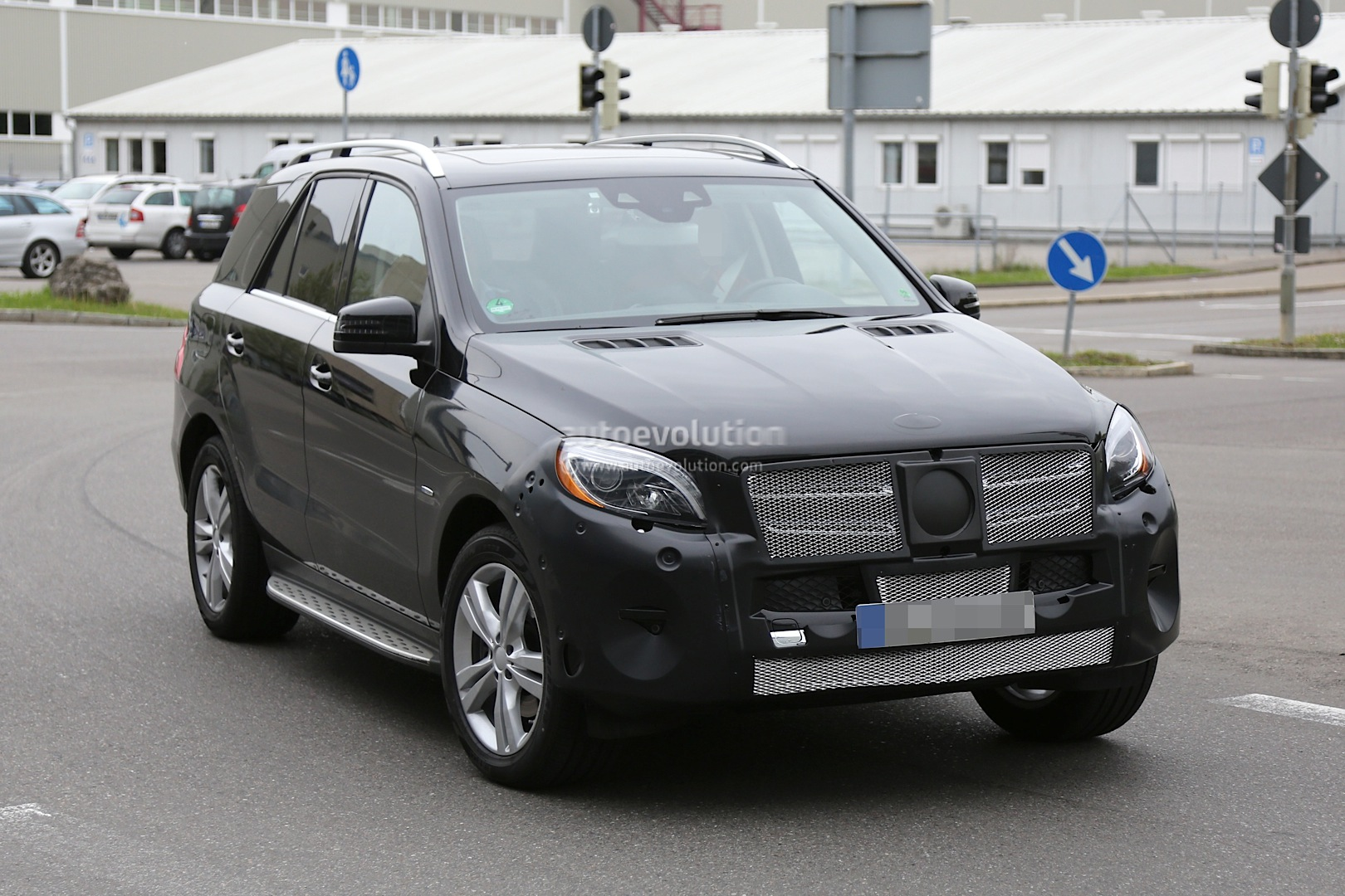 2015 mercedes benz m class facelift w166 uncovers more for 2015 mercedes benz m class