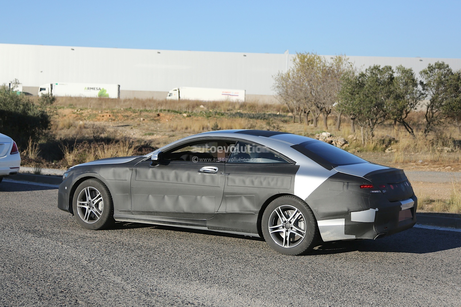2015 mercedes benz s class coupe c217 spied with less for 2015 mercedes benz c class coupe
