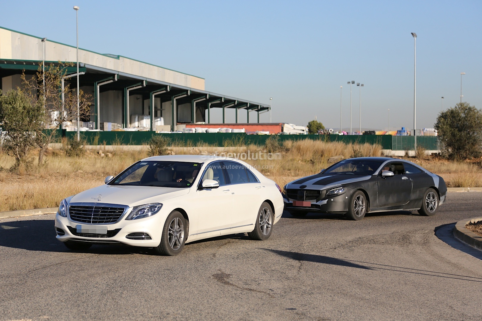 2015 mercedes-benz s-class coupe (c217) spied with less camo