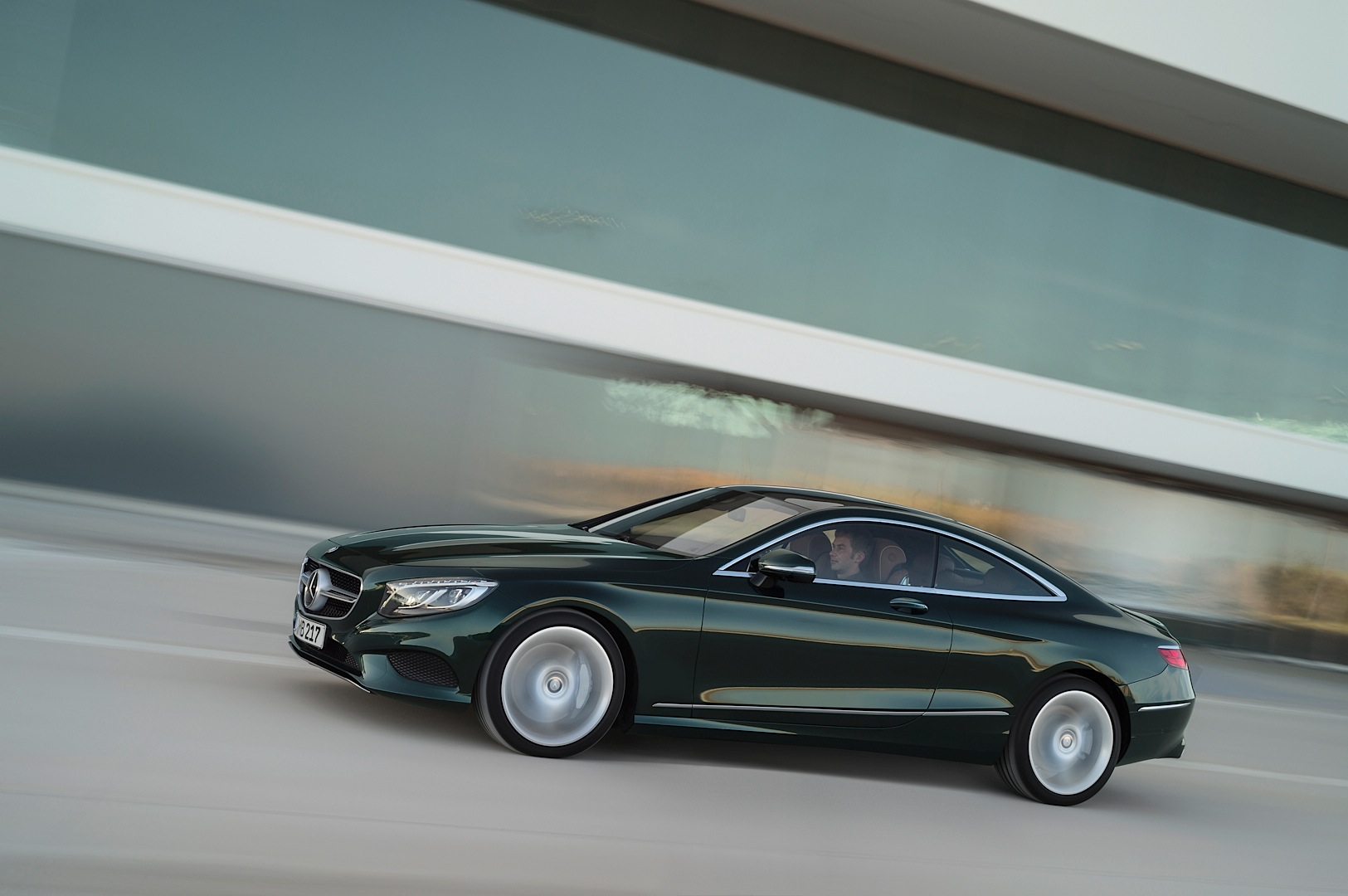 2015 mercedes benz s class coupe autoevolution for Mercedes benz s500 coupe