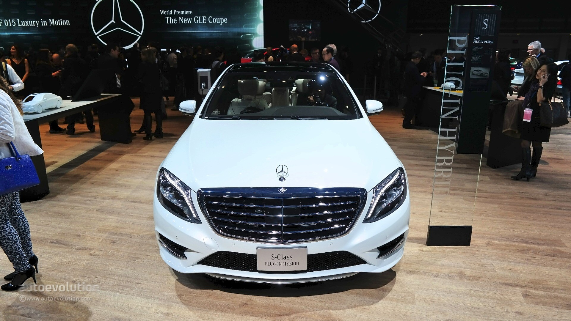 2015 mercedes benz s550 plug in hybrid silently introduced at the detroit auto show live photos autoevolution - S550 Plug In Hybrid