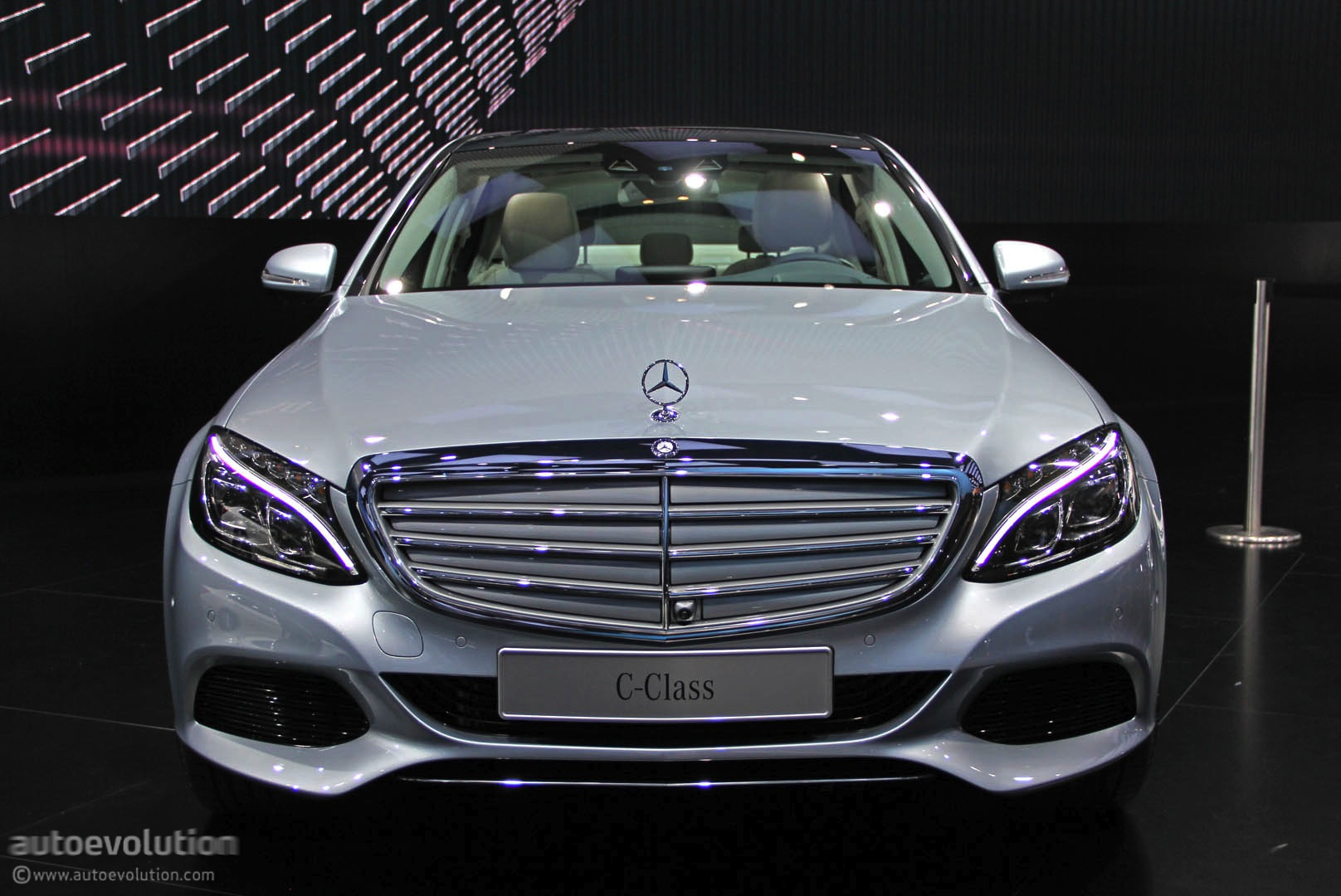 2015 Mercedes C Class Takes A Luxury Lead In Detroit Live