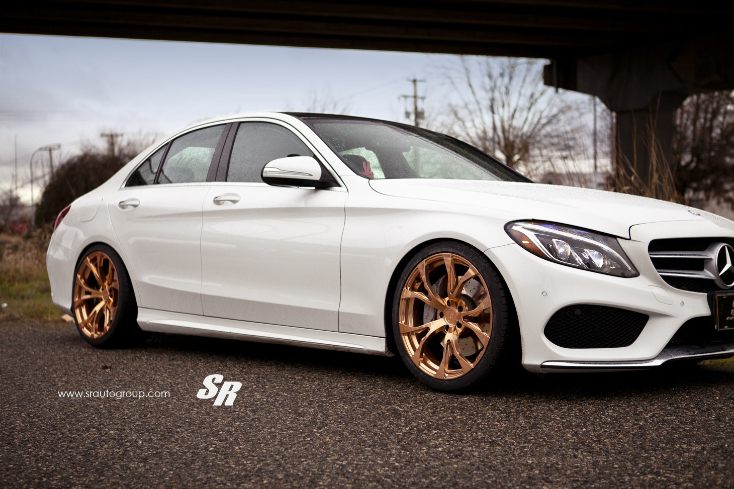 tuningcars 2015 mercedes c300 gets gold pur wheels shows its rich side. Black Bedroom Furniture Sets. Home Design Ideas