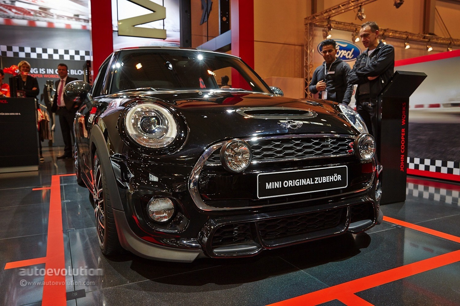 2015 mini cooper s gets 211 hp with jcw tuning kit at essen live photos autoevolution. Black Bedroom Furniture Sets. Home Design Ideas