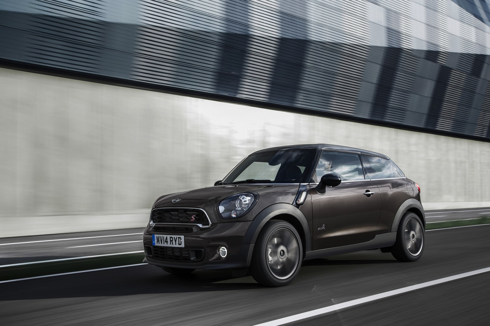 2013 mini cooper s paceman review by tflcar autoevolution. Black Bedroom Furniture Sets. Home Design Ideas