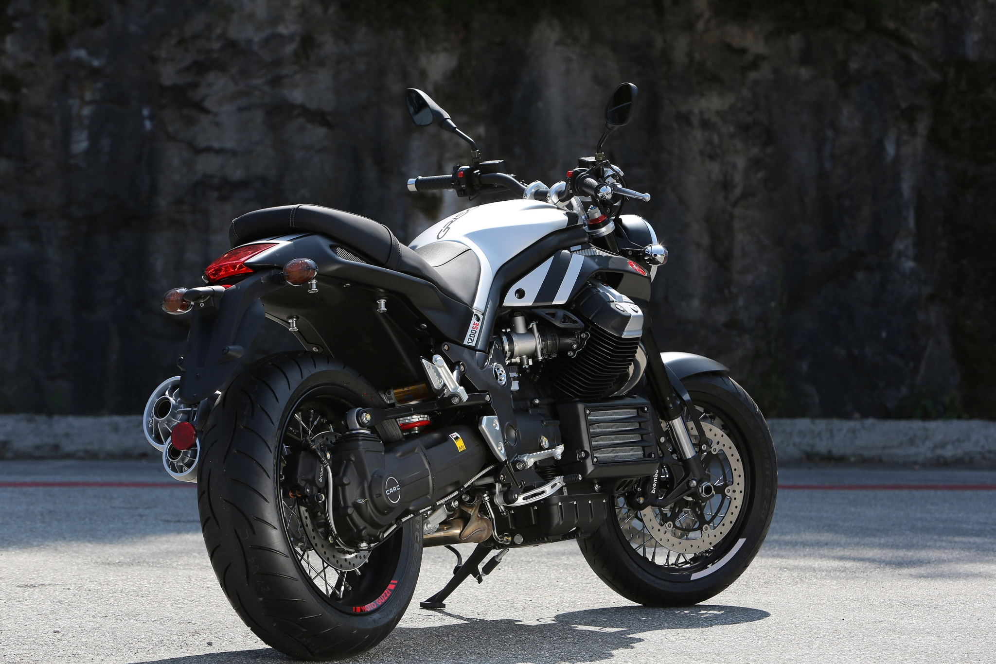2015 Bmw 750Li >> 2015 Moto Guzzi Griso 8V Special Edition Shows Aesthetic Upgrades - autoevolution