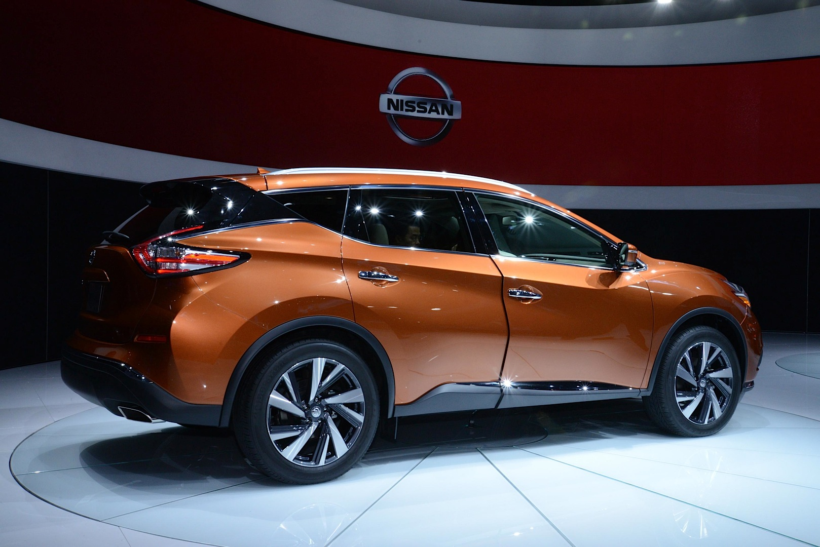 2015 murano is the sexiest nissan yet live photos. Black Bedroom Furniture Sets. Home Design Ideas