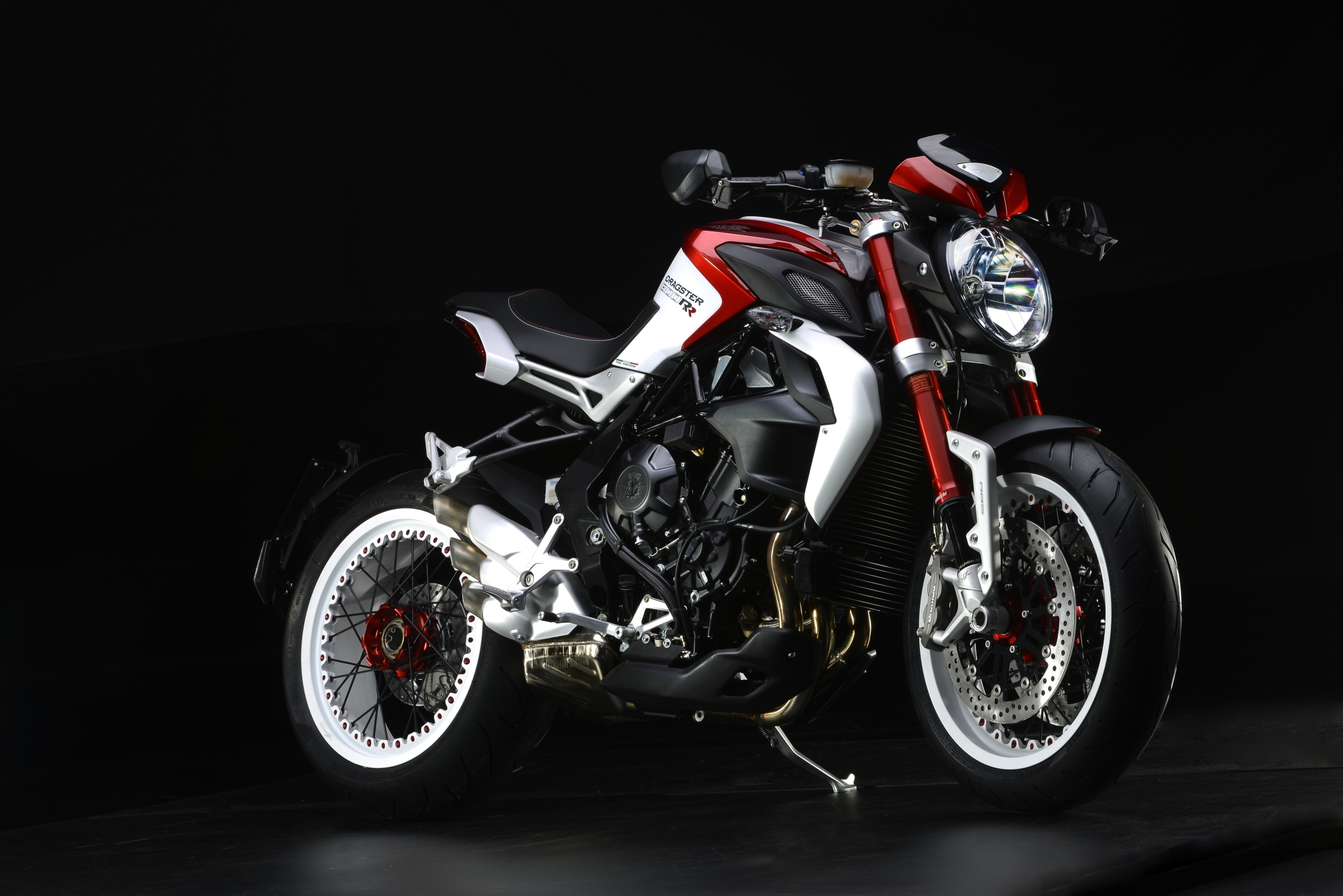 Kawasaki Near Me >> 2015 MV Agusta Brutale Dragster 800 RR, the 140 HP Naked Beauty - autoevolution