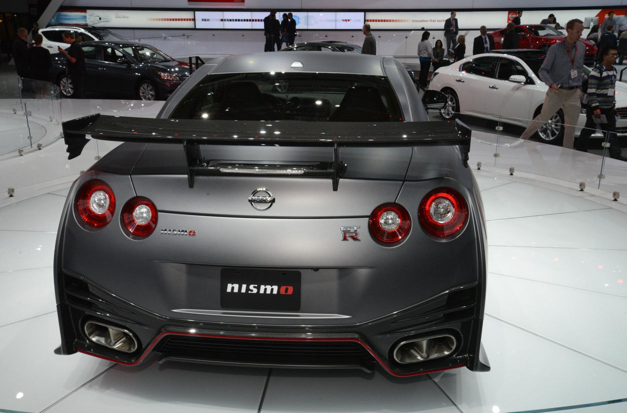 2015 nissan gt r nismo at the la auto show live photos autoevolution. Black Bedroom Furniture Sets. Home Design Ideas