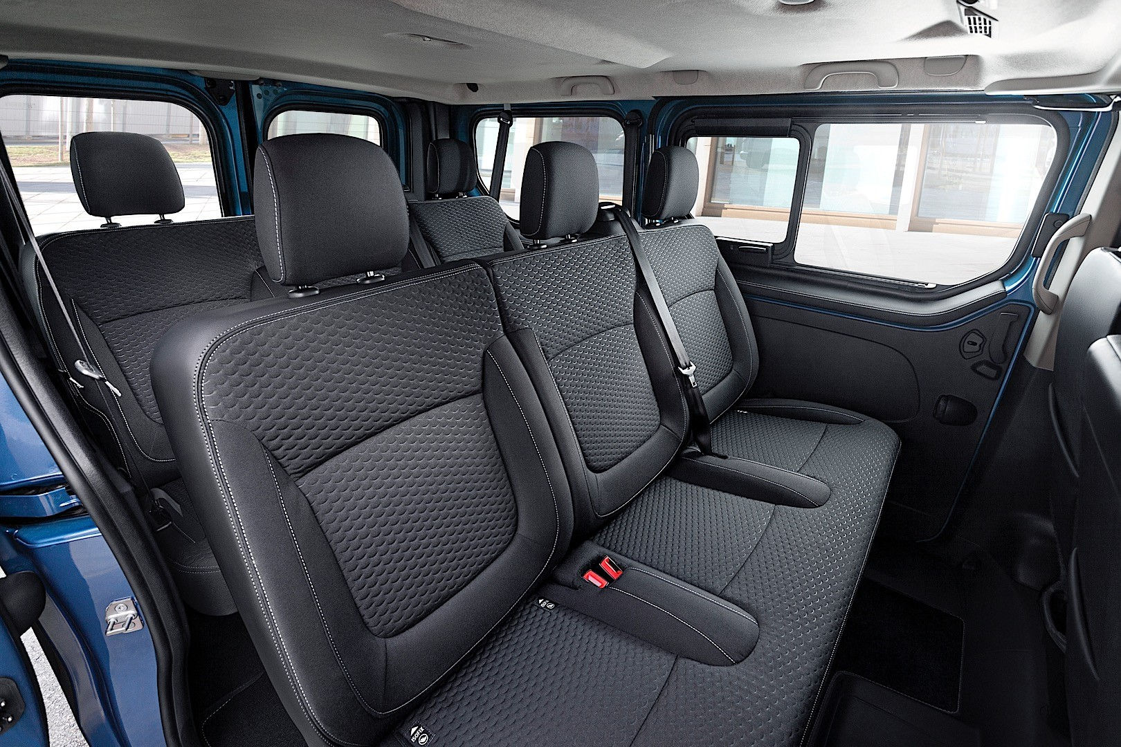 2015 opel vivaro irmscher tourer pack launched autoevolution. Black Bedroom Furniture Sets. Home Design Ideas