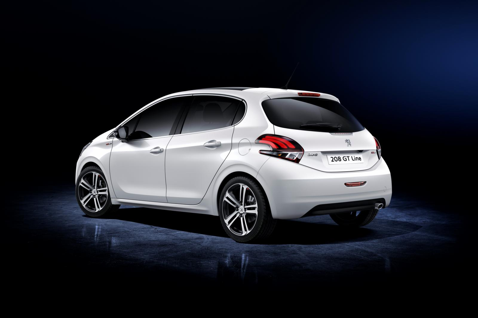 2015 Peugeot 208 Facelift Revealed, Complete with 1.2 Turbo and Orange Paint - autoevolution
