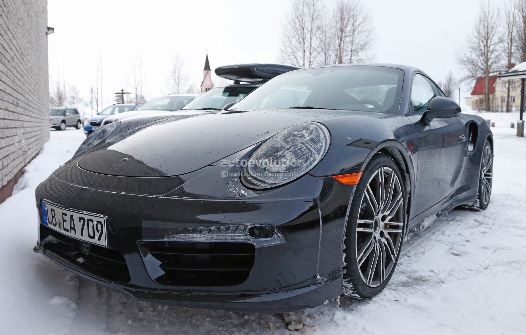 2015 porsche 911 turbo facelift shows a new steering wheel. Black Bedroom Furniture Sets. Home Design Ideas