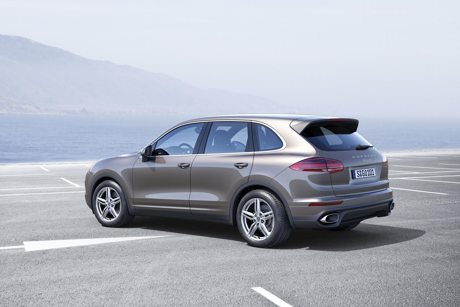 2015 porsche cayenne gts downsizes to a twin turbo v6. Black Bedroom Furniture Sets. Home Design Ideas