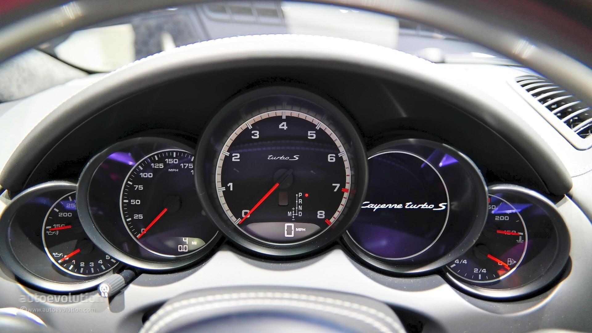 2015 porsche cayenne turbo s facelift surprise unveiling in detroit live photos autoevolution - Porsche Cayenne Turbo S 2015
