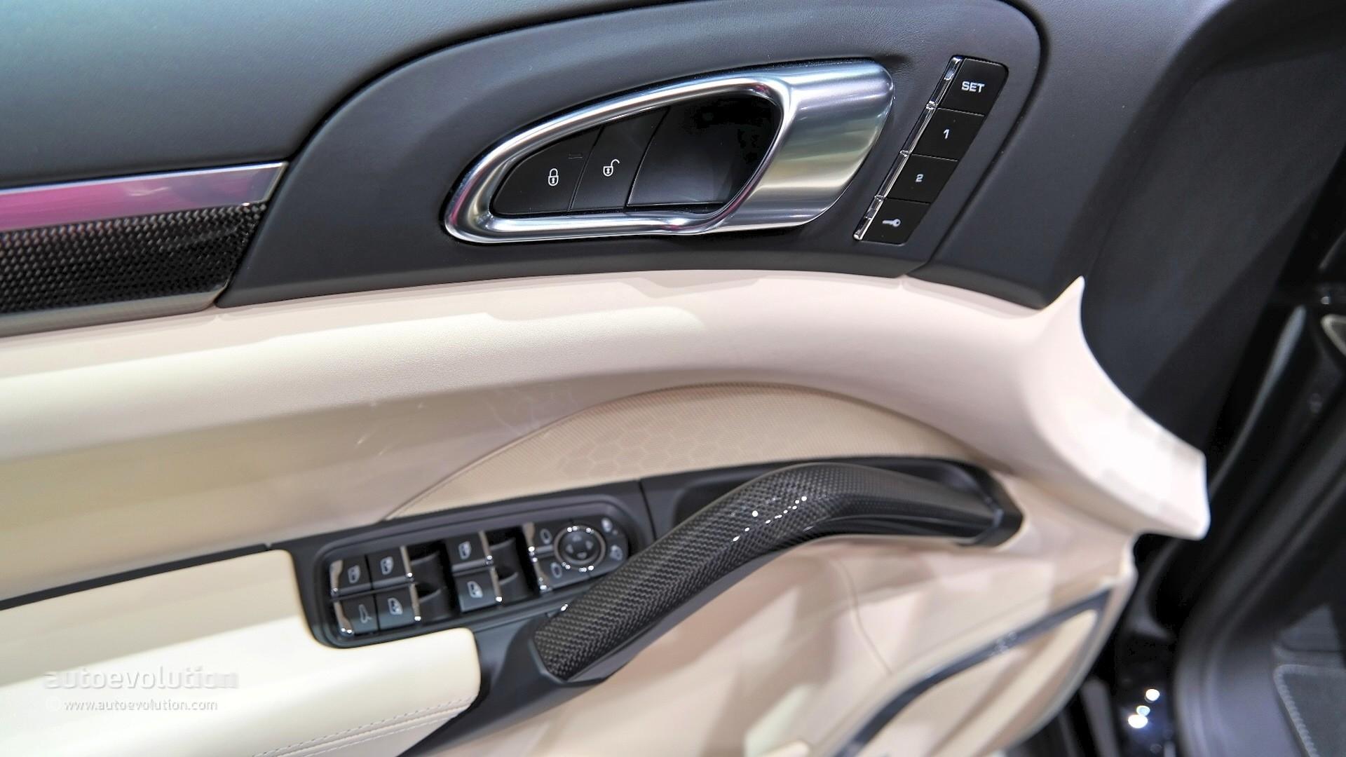 2015 porsche cayenne turbo s facelift surprise unveiling in detroit live photos autoevolution - 2016 Porsche Cayenne Interior