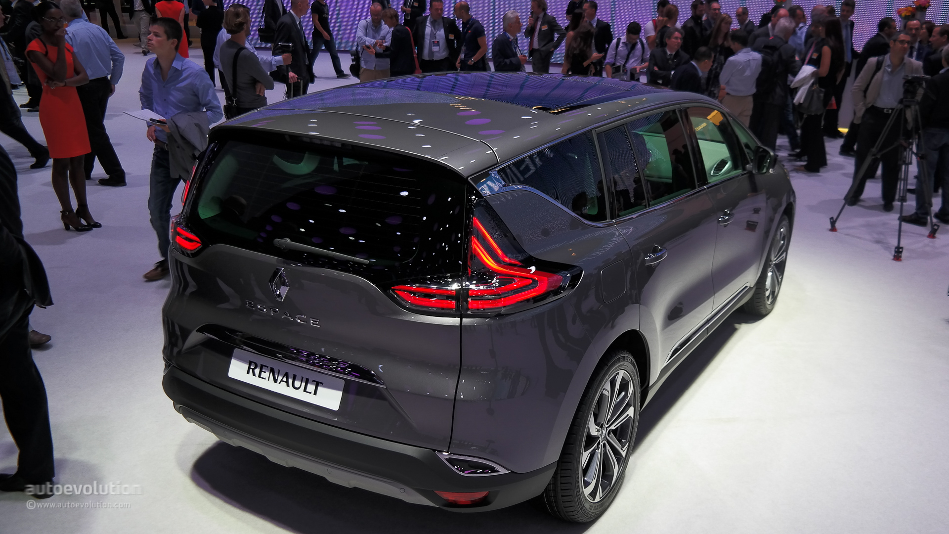 2015 renault espace has a clio rs 200 horsepower engine live photos autoevolution. Black Bedroom Furniture Sets. Home Design Ideas
