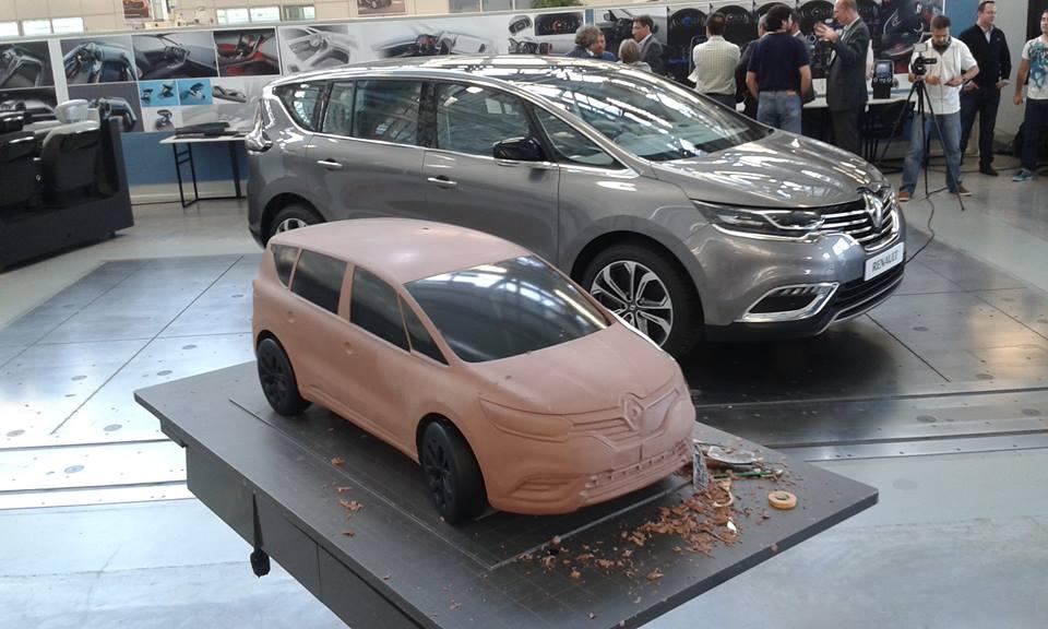 2015 Renault Espace Interior: First Photos - photo gallery