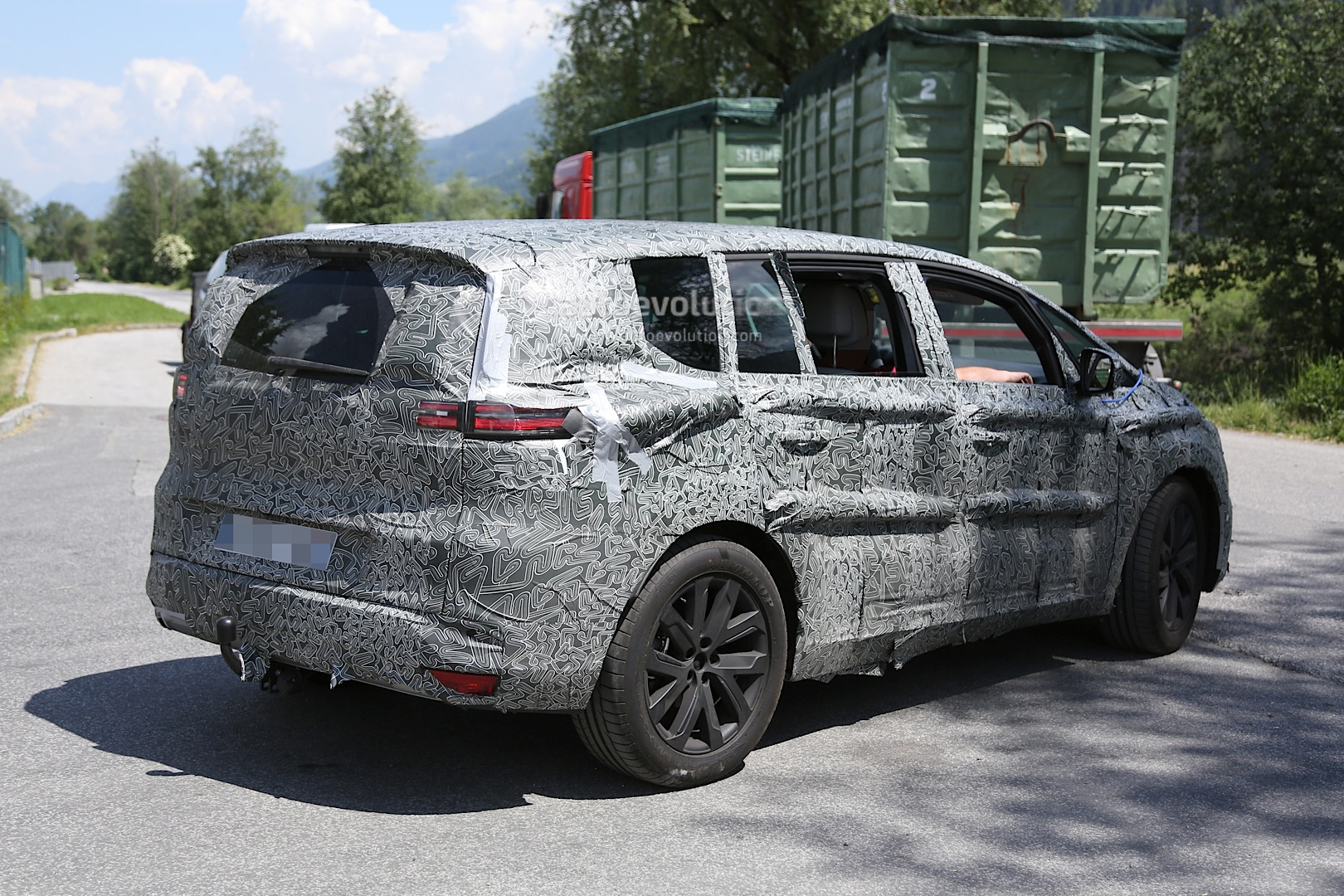 2015 renault espace spied with full led lights and new door trim autoevolution. Black Bedroom Furniture Sets. Home Design Ideas