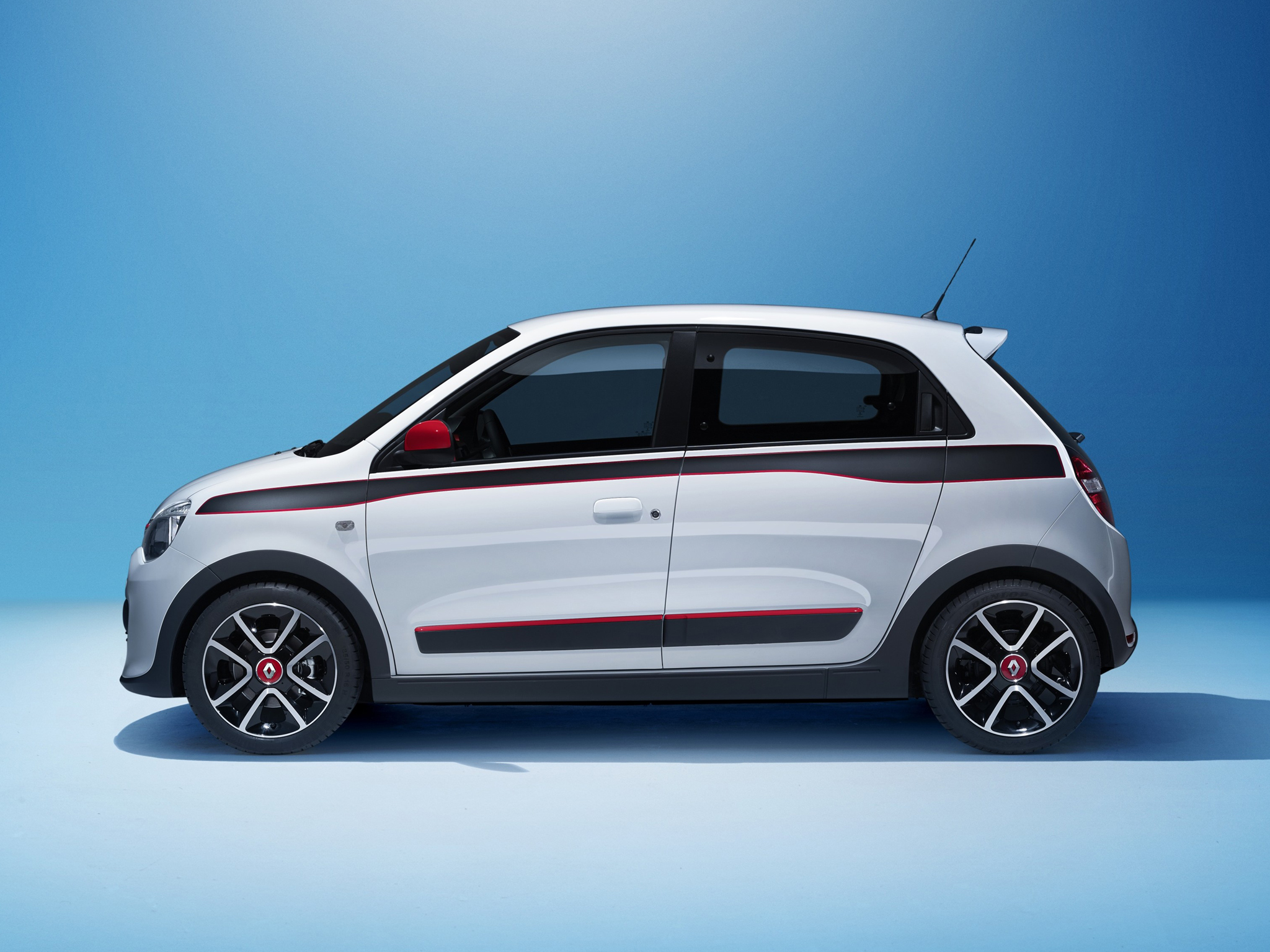 2015 renault twingo uk pricing specifications announced video autoevolution. Black Bedroom Furniture Sets. Home Design Ideas