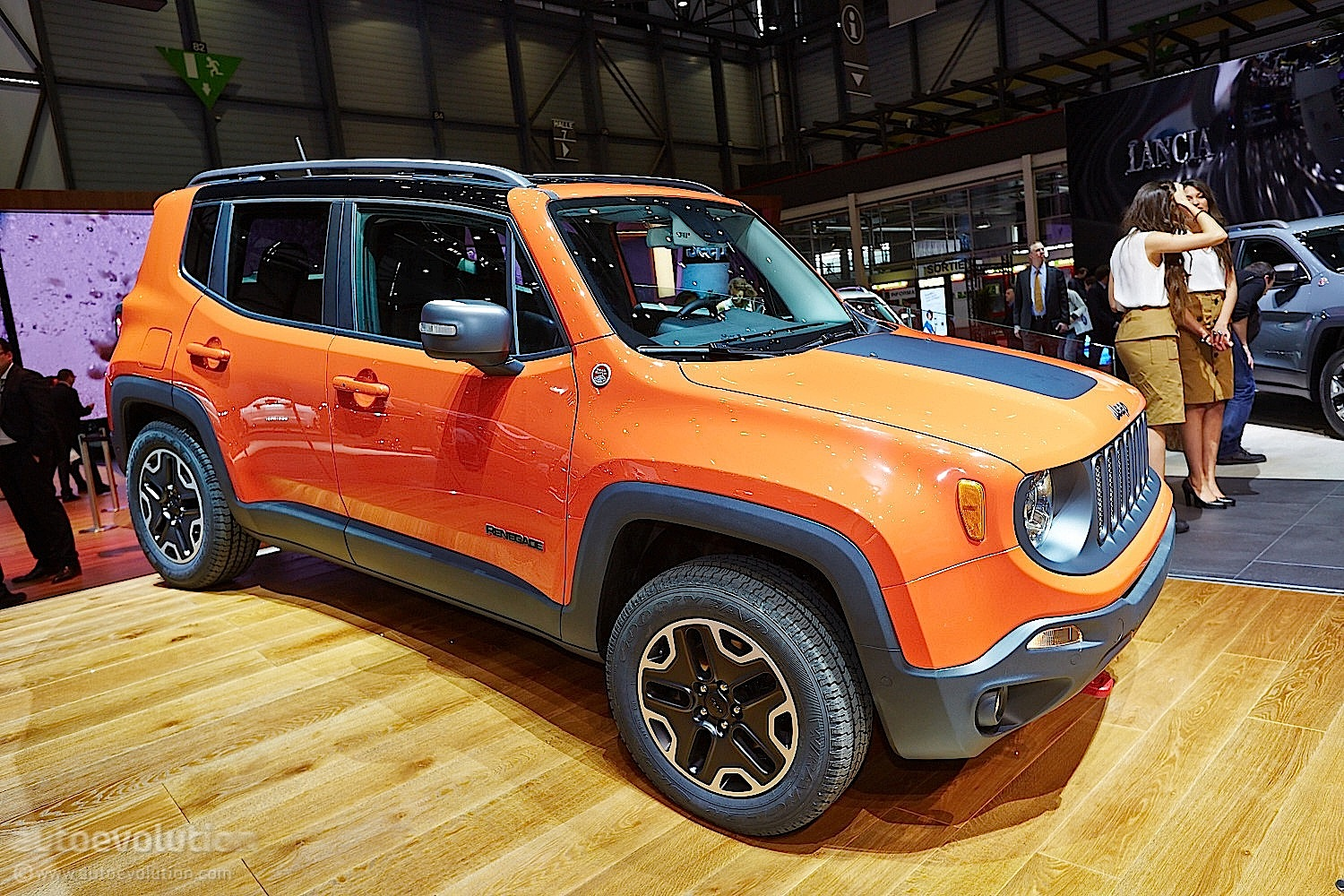 2015 Jeep Renegade Bows In Geneva Live Photos HD Wallpapers Download free images and photos [musssic.tk]