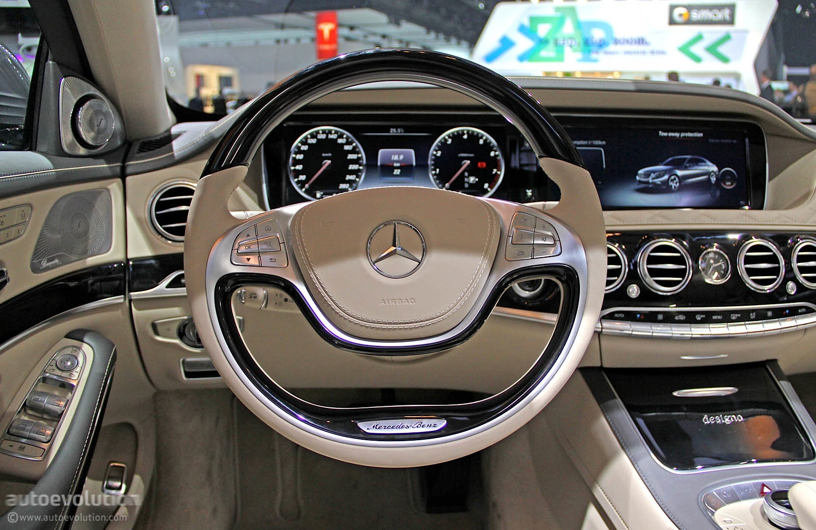 2015 S 600 V222 With Regular Wheels At Naias Live Photos Autoevolution