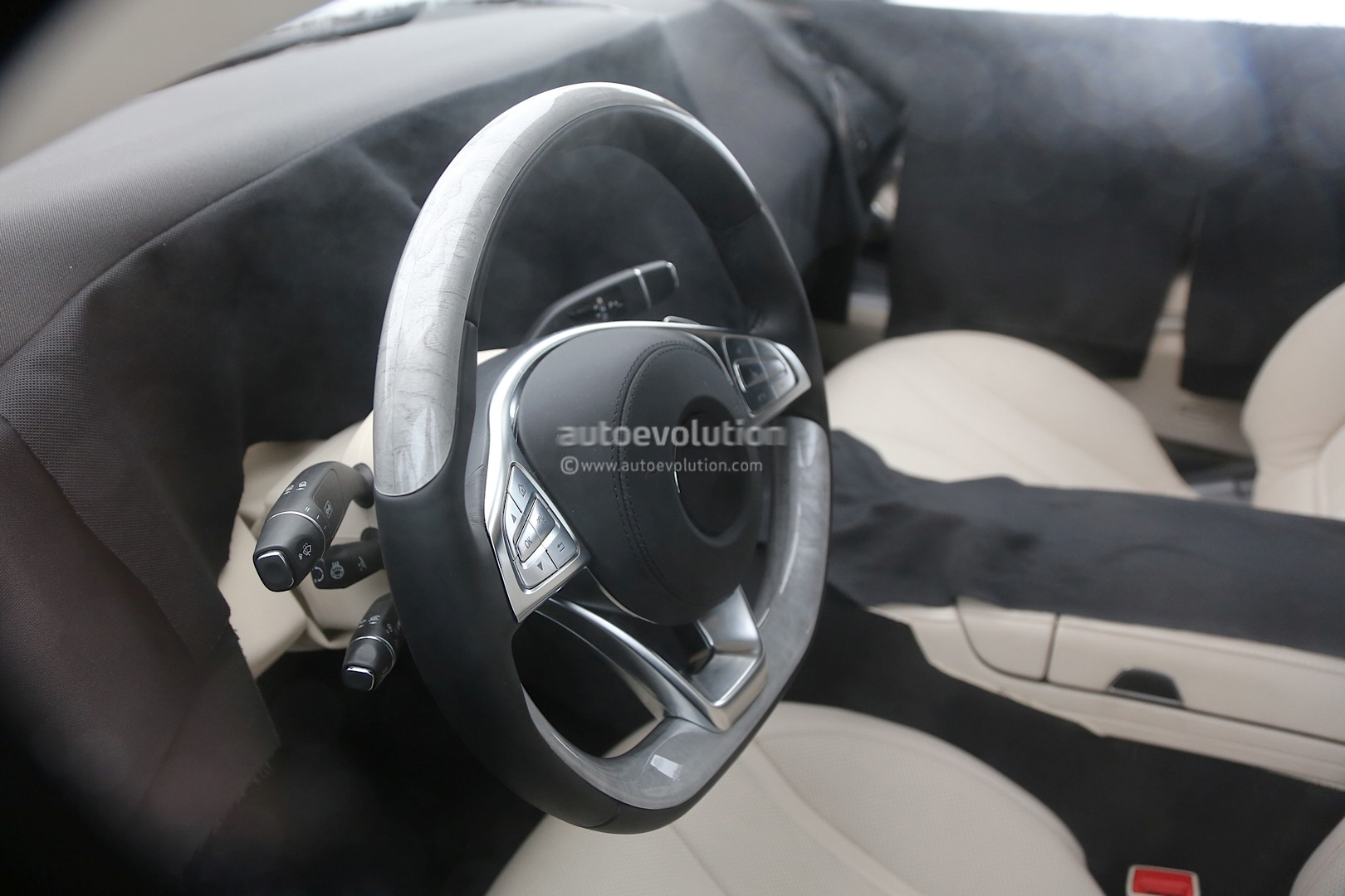 (C217): Fotos em testes e interior 2015-s-class-coupe-c217-shows-off-its-interior-photo-gallery_16