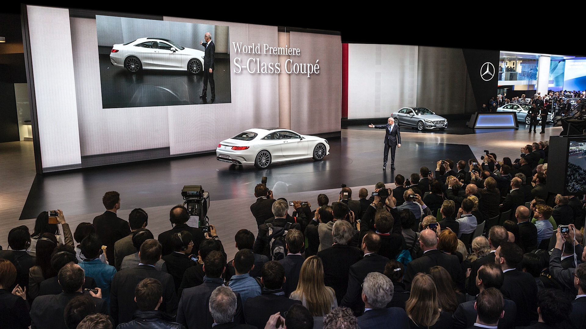 2015 s class coupe c217 takes center stage in geneva for Mercedes benz lounge amway center