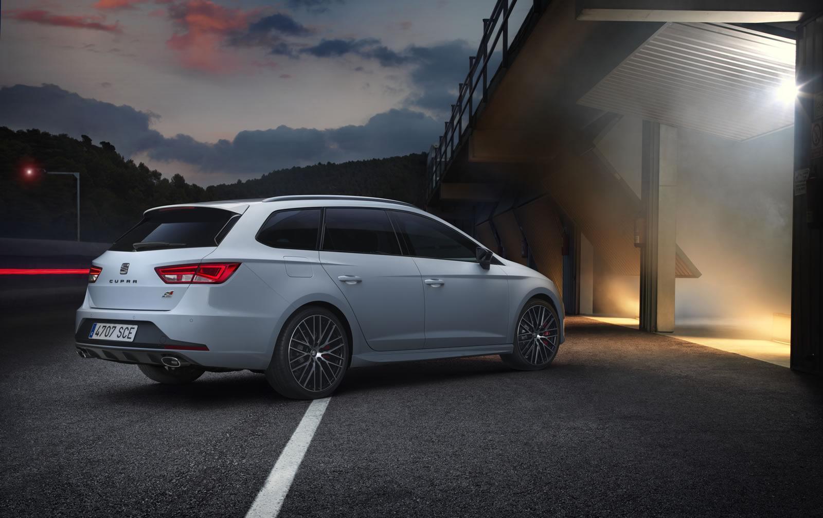 2015 seat leon st cupra revealed 280 hp hot estate autoevolution. Black Bedroom Furniture Sets. Home Design Ideas
