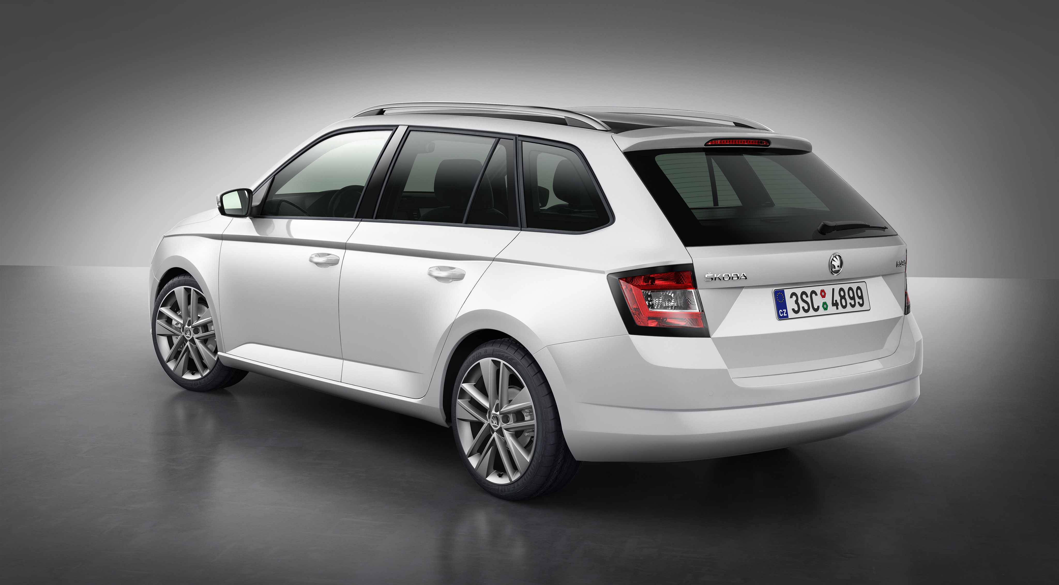 2015 skoda fabia estate uk pricing announced autoevolution. Black Bedroom Furniture Sets. Home Design Ideas