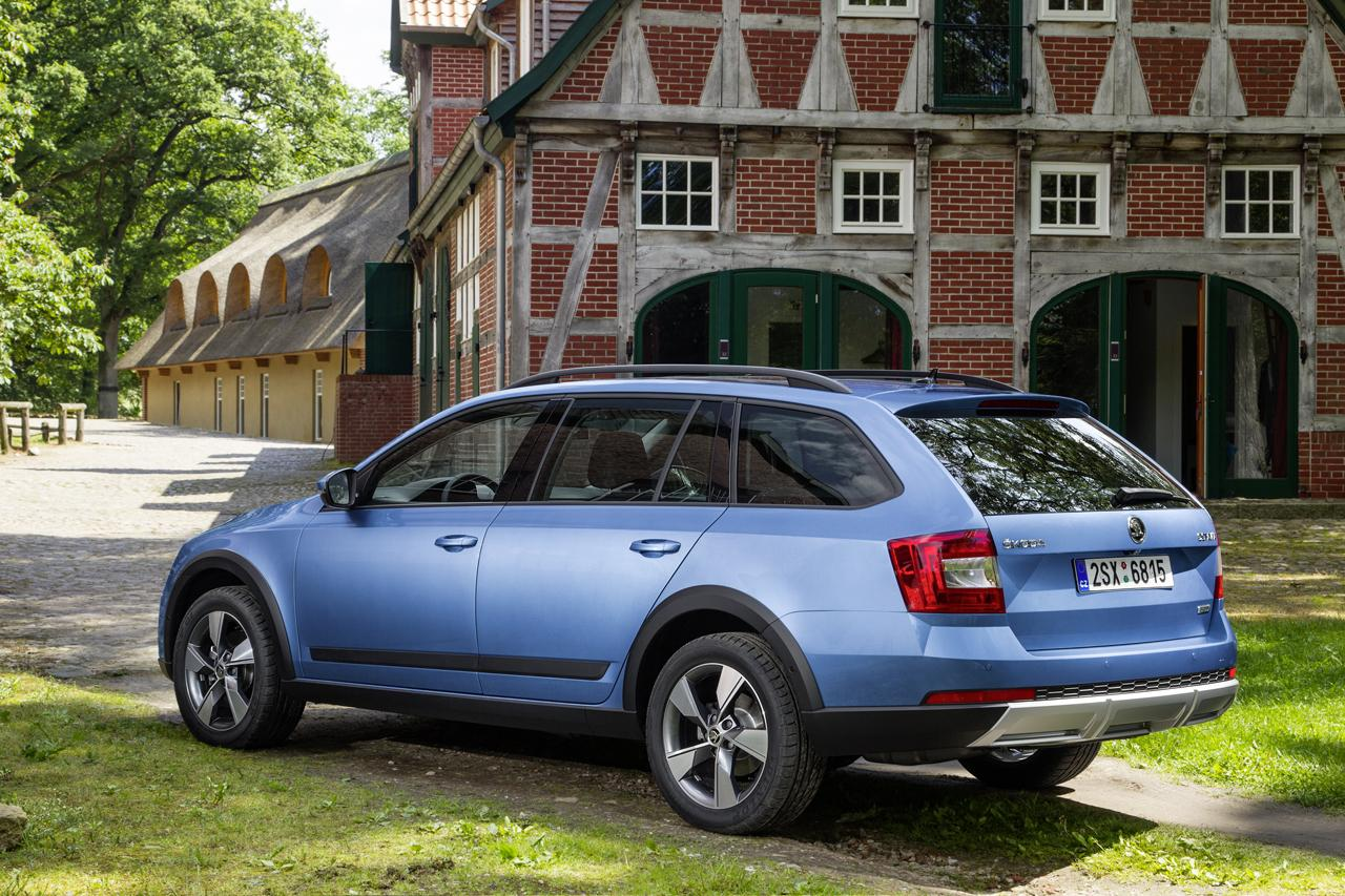 2015 skoda octavia scout 1 8 tsi acceleration test autoevolution. Black Bedroom Furniture Sets. Home Design Ideas