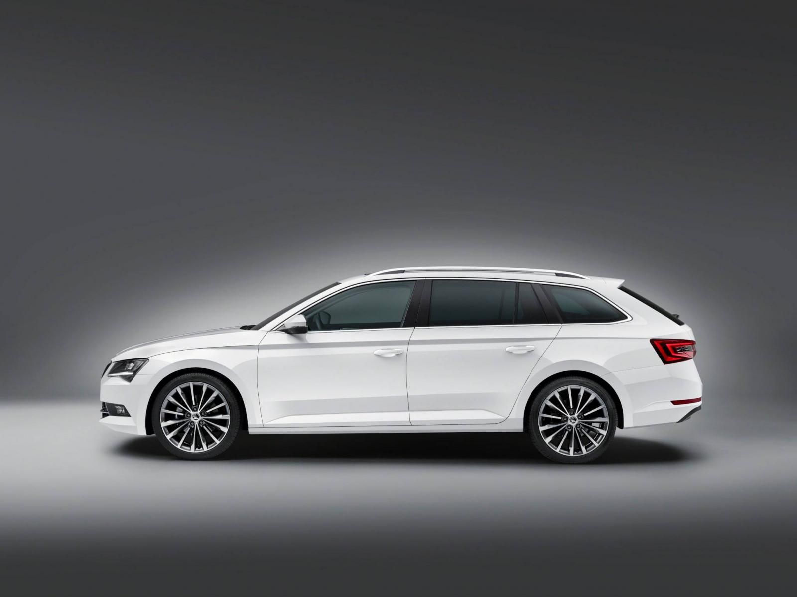 2015 Skoda Superb Combi Officially Revealed with 660 Liters of Trunk