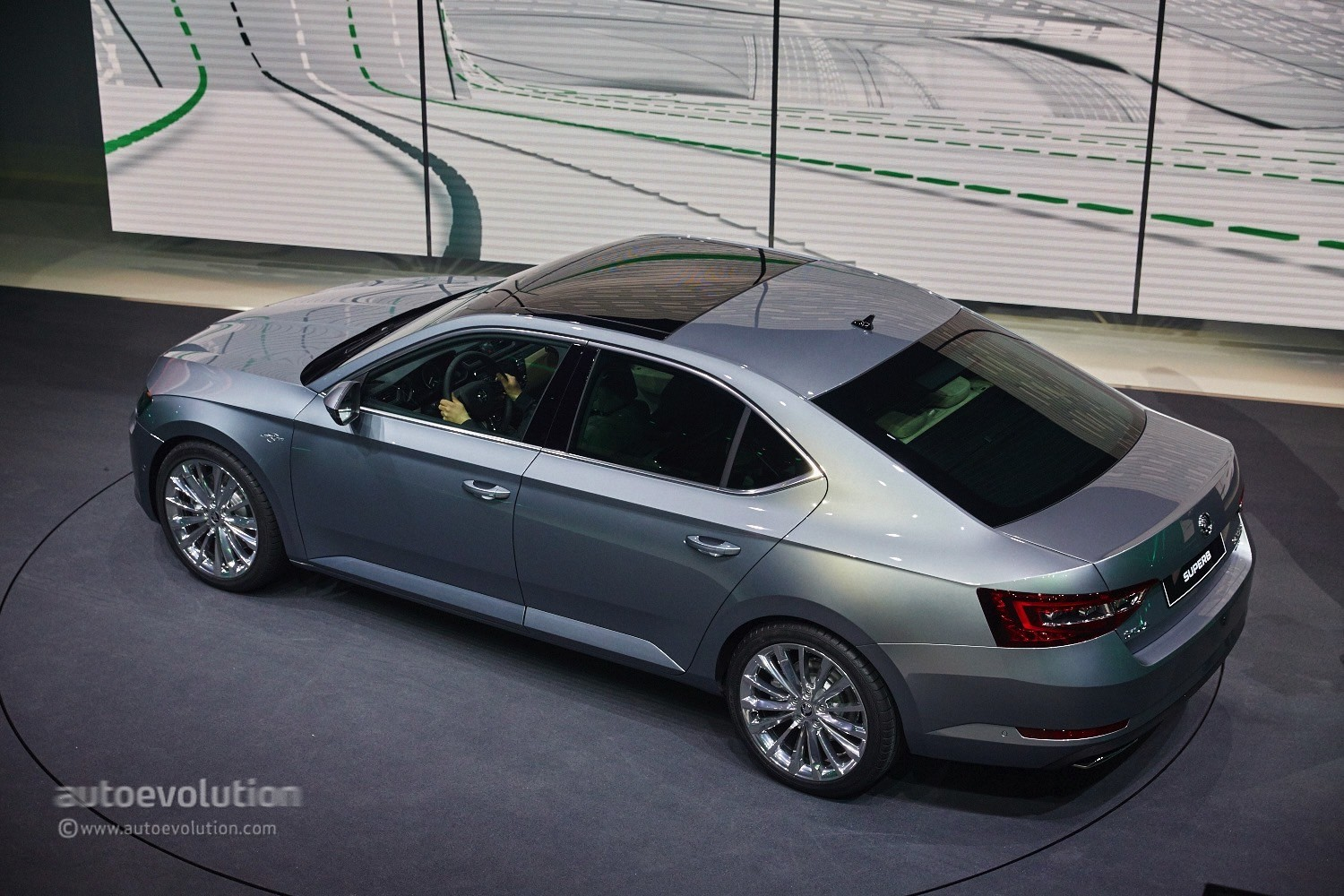 2015 Skoda Superb Is Bigger and More Luxurious at Geneva ...